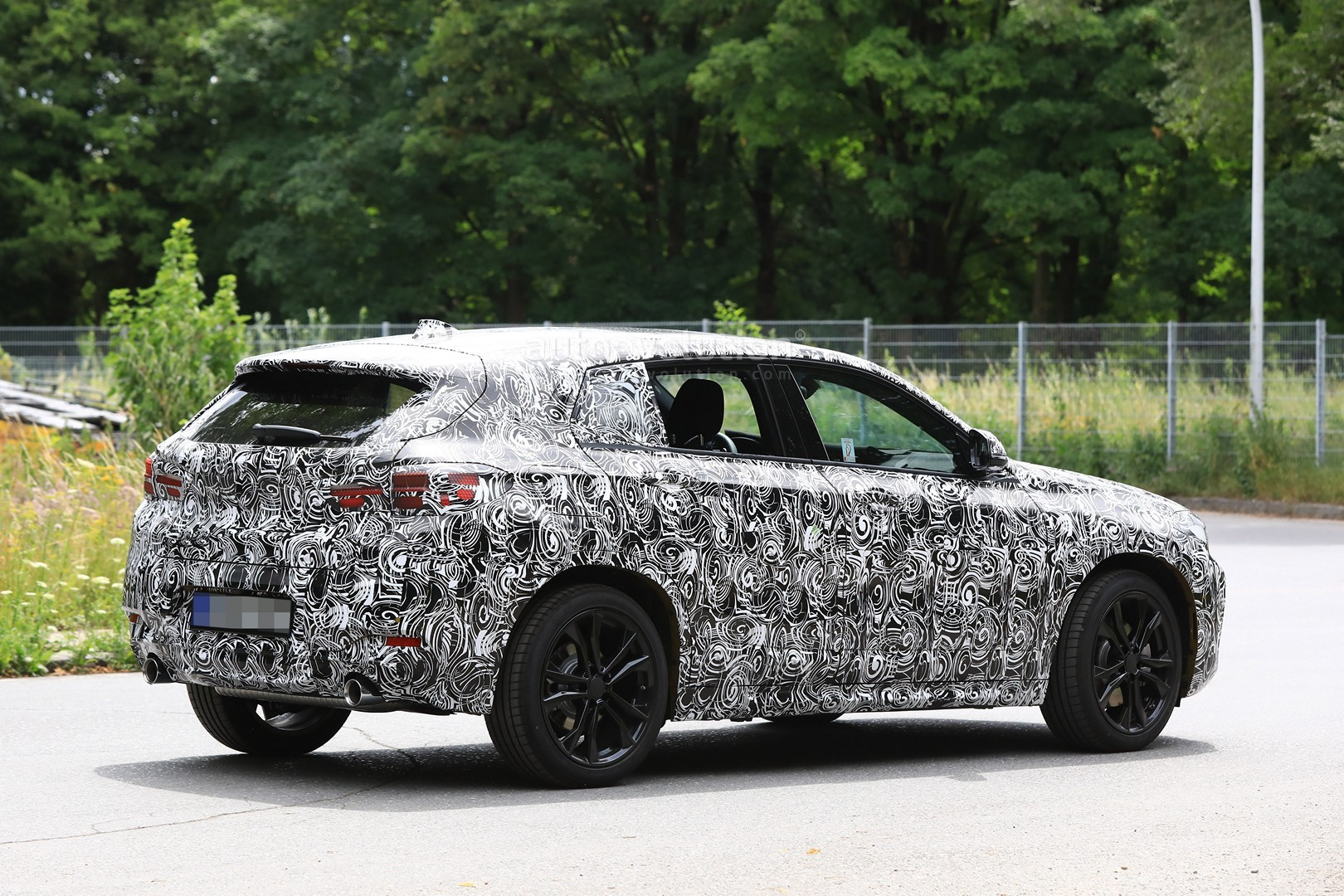 2017 - [BMW] X2 [F39] - Page 7 Spyshots-2018-bmw-x2-interior-and-front-end-design-get-shown_9