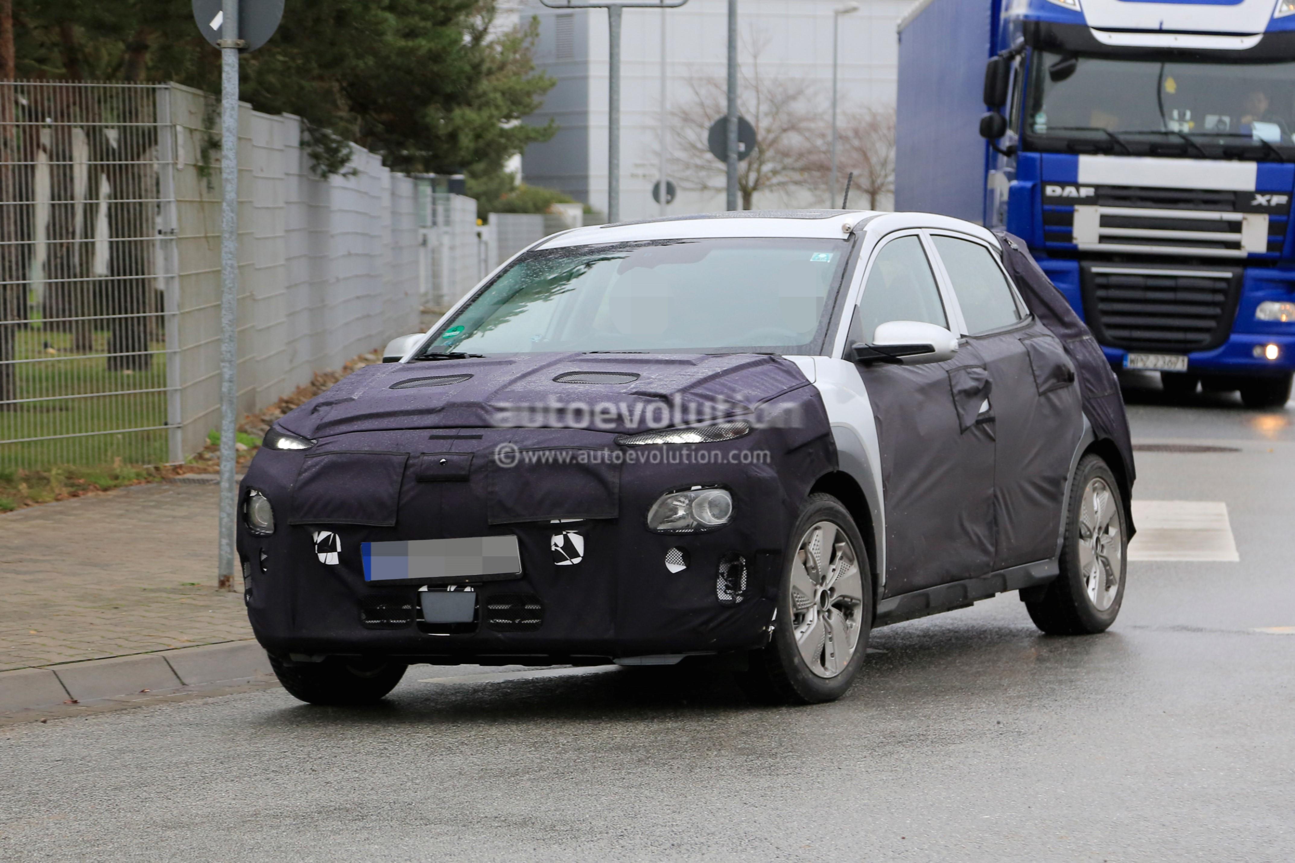 Hyundai Spy Shots >> Spyshots: 2018 Hyundai Kona Electric SUV Caught Testing In Germany - autoevolution