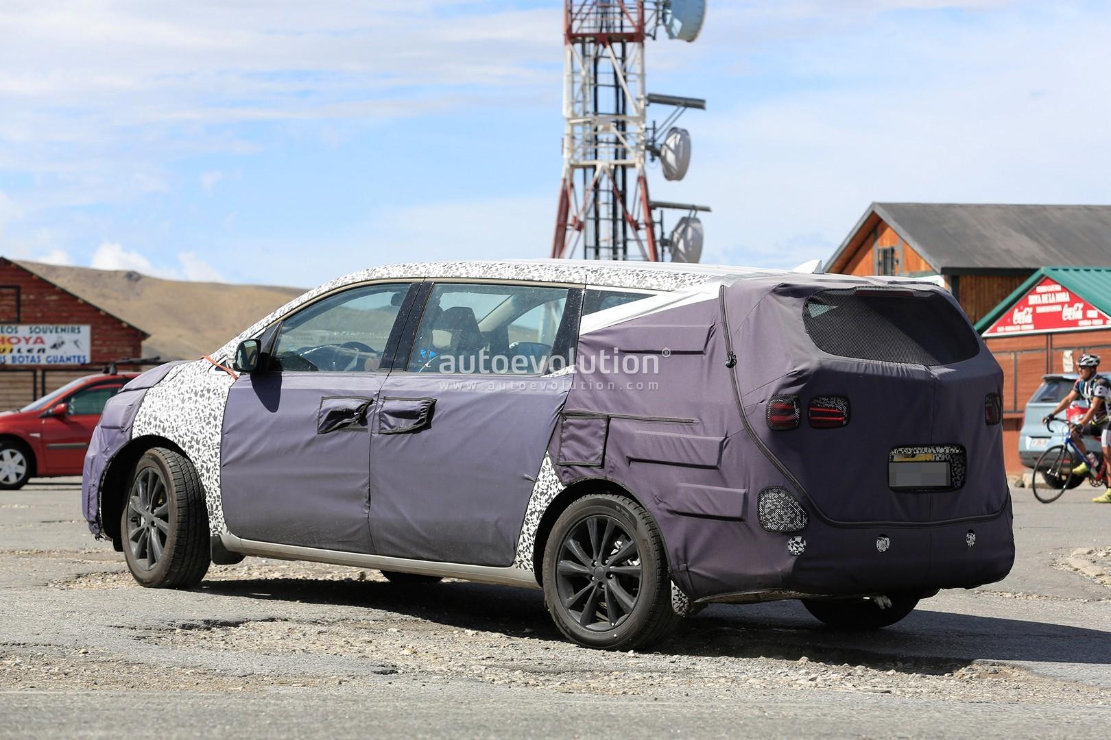 Spyshots 2018 Kia Sedona Carnival Facelift Getting 8 Speed Auto