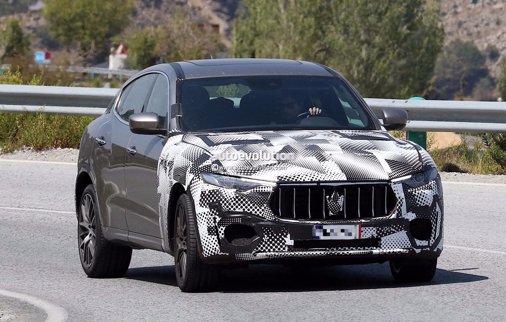Spyshots 2018 Maserati Levante Gts With V8 Power Tests