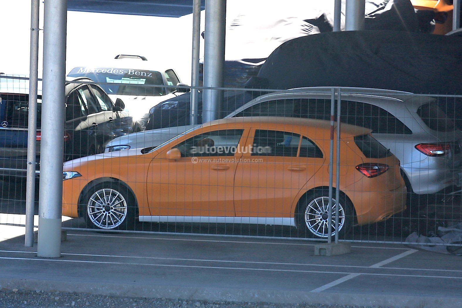 Spyshots 2018 mercedes benz a class hatch and sedan for Mercedes benz a class
