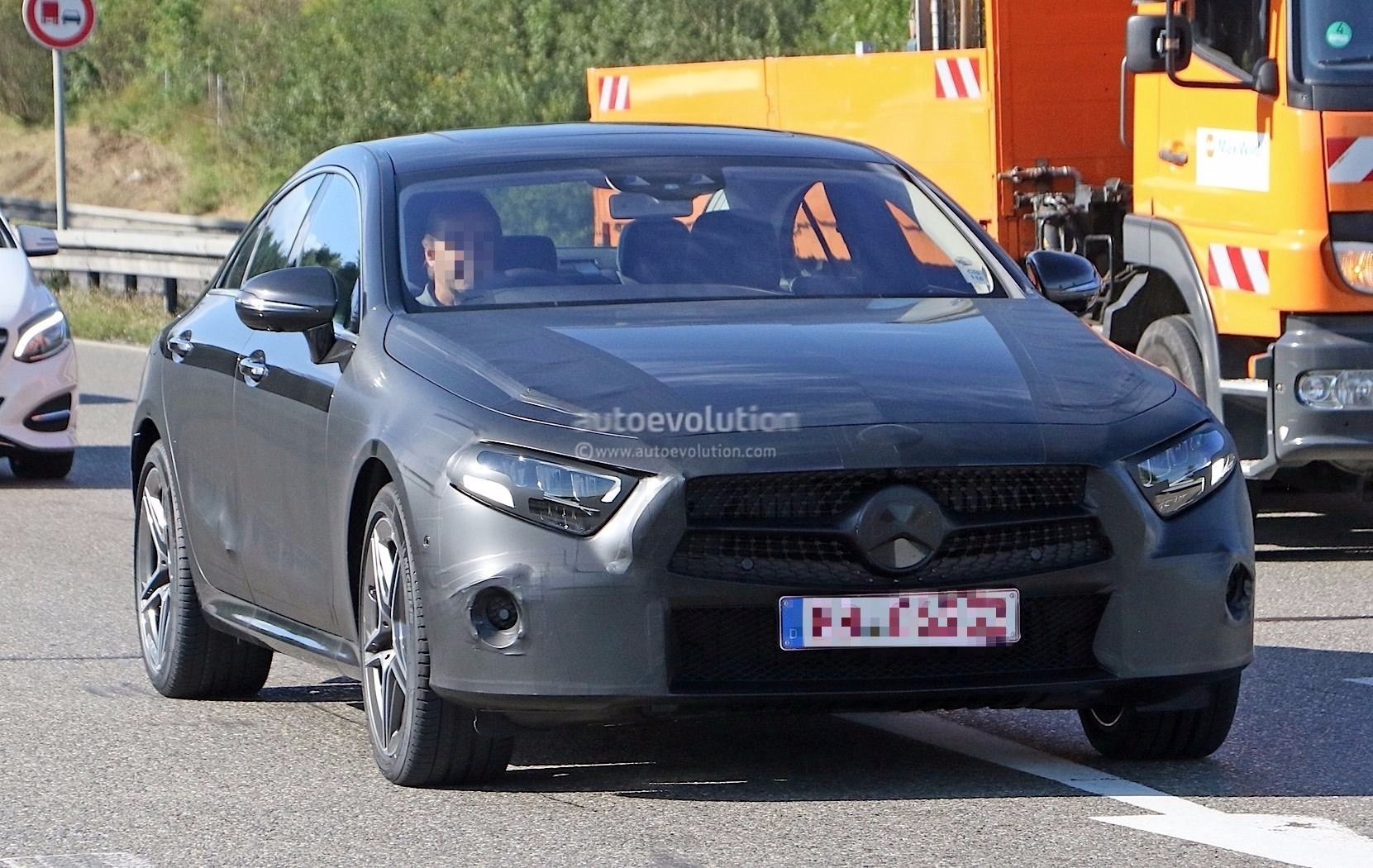 Spyshots 2018 Mercedes Benz Cls Prototype Looks Production Ready