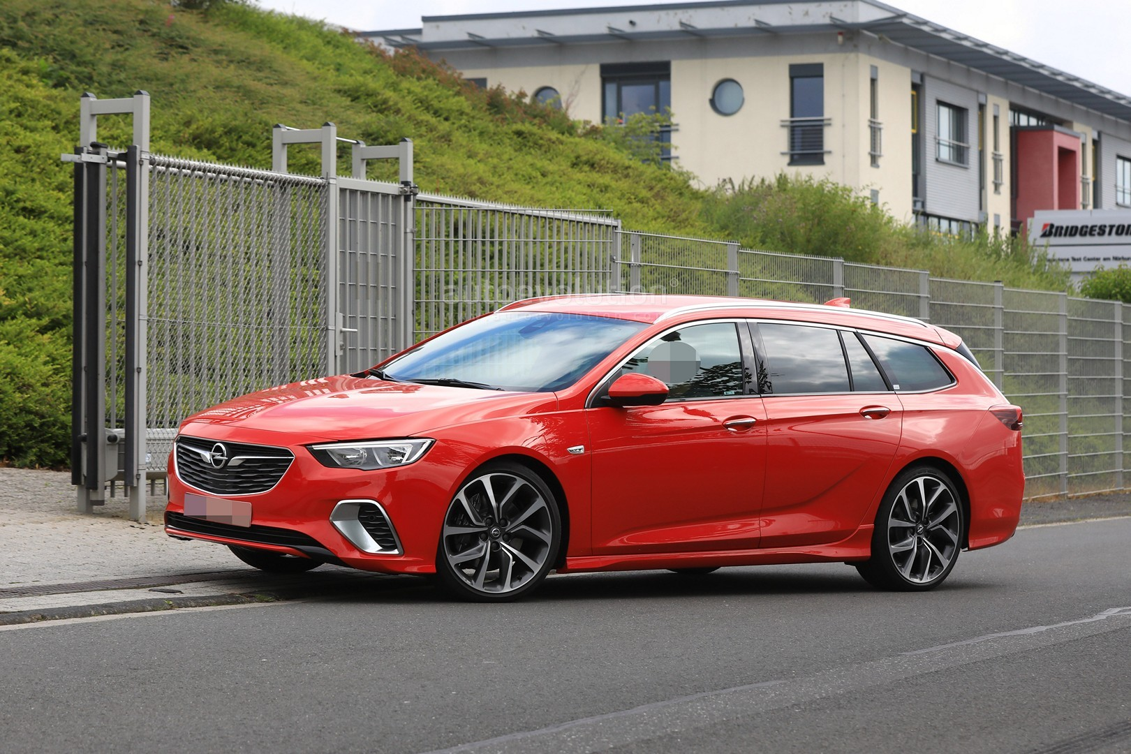 spyshots 2018 opel insignia gsi wagon drops disguise. Black Bedroom Furniture Sets. Home Design Ideas