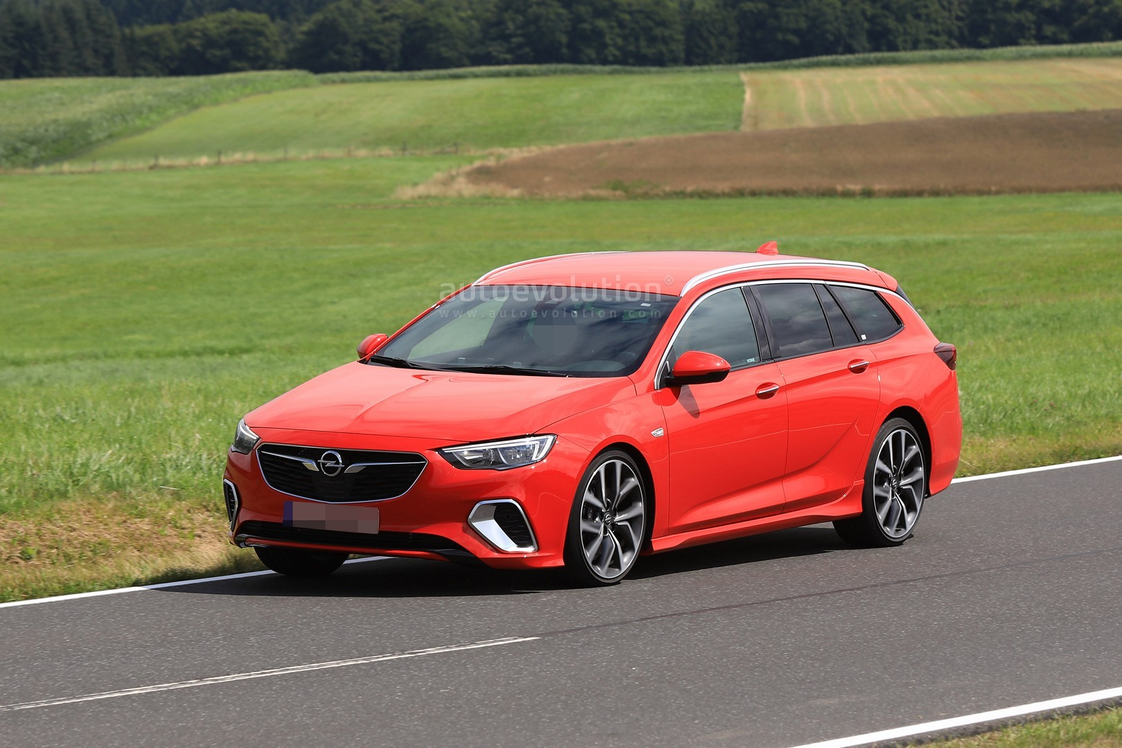 spyshots 2018 opel insignia gsi wagon drops disguise autoevolution. Black Bedroom Furniture Sets. Home Design Ideas
