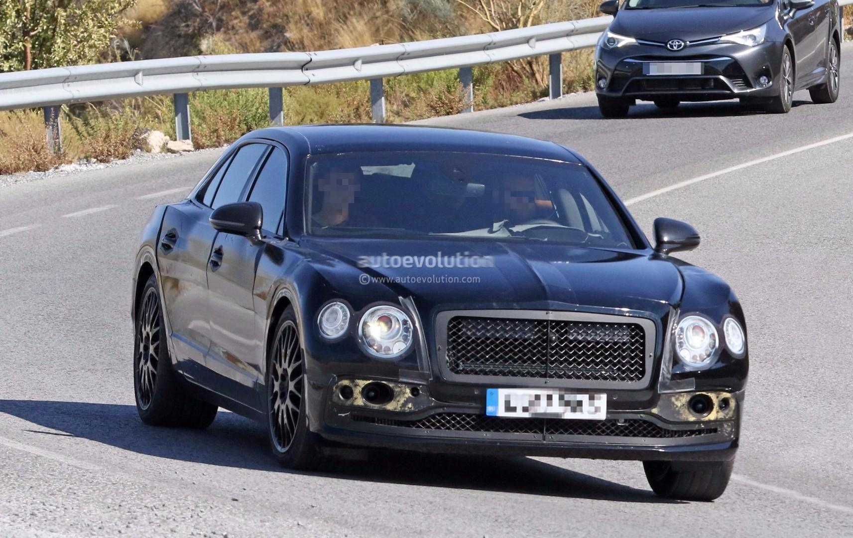 Spyshots 2019 Bentley Flying Spur Prototype Hides