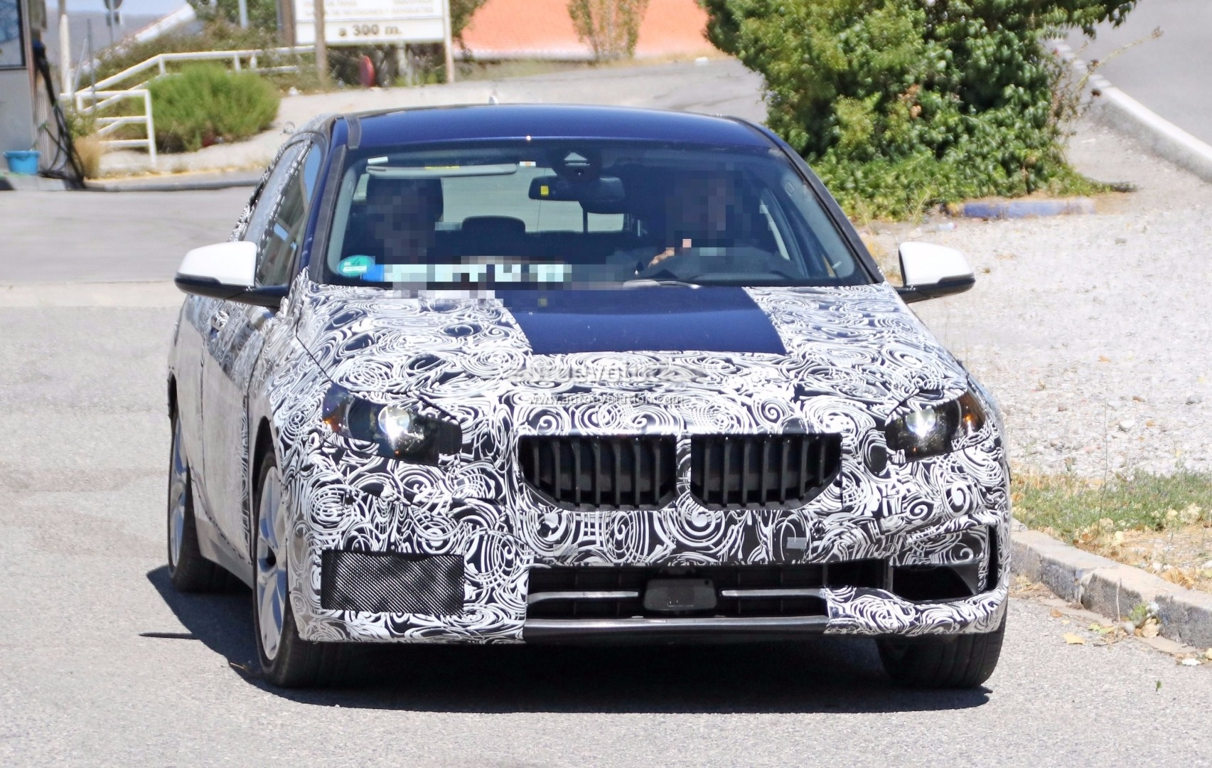 spyshots 2019 bmw 1 series shows massive kidney grille. Black Bedroom Furniture Sets. Home Design Ideas