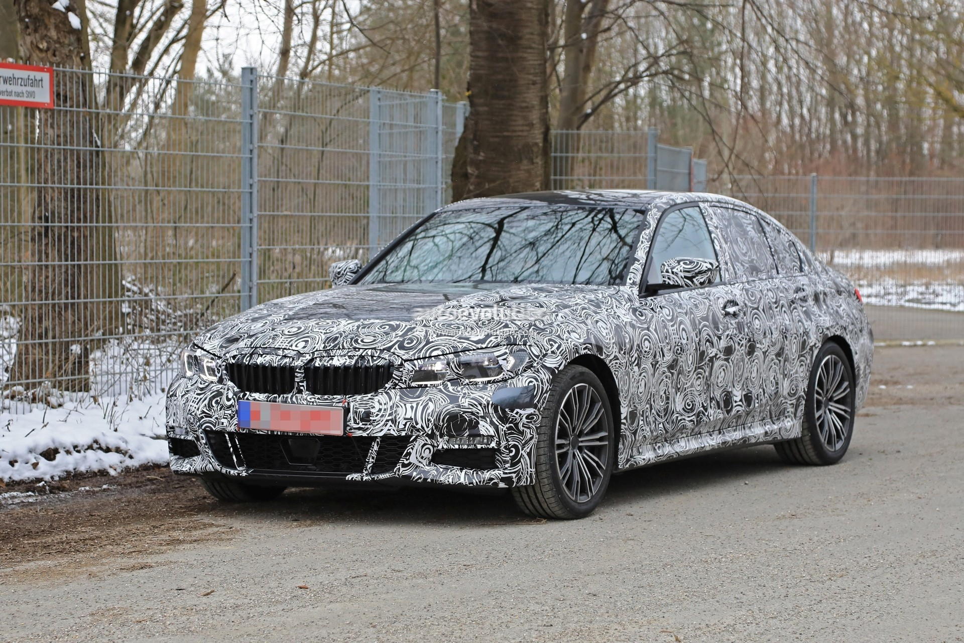 spyshots 2019 bmw 3 series shows baby 5 series look with sportier details autoevolution. Black Bedroom Furniture Sets. Home Design Ideas