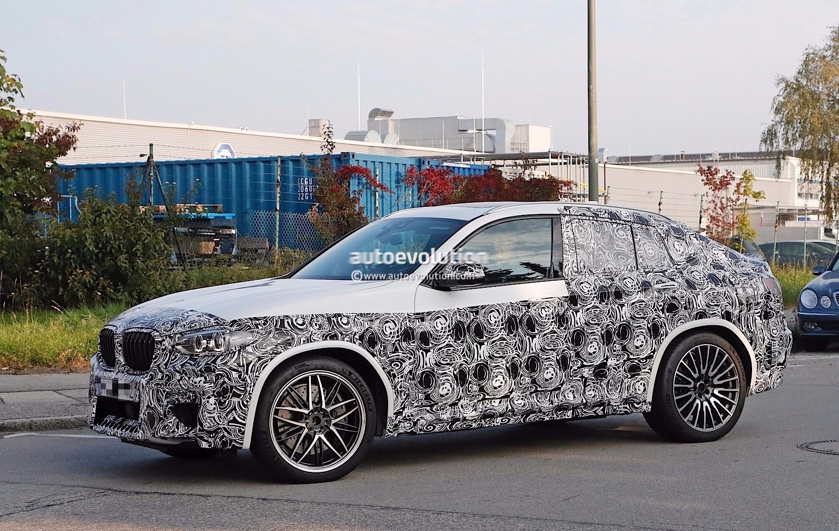 spyshots 2019 bmw x4 m gets a new twin turbo inline six to play with autoevolution. Black Bedroom Furniture Sets. Home Design Ideas