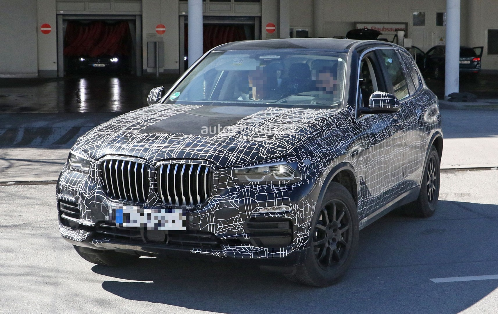 Spyshots: 2019 BMW X5 Reveals Its Interior - autoevolution