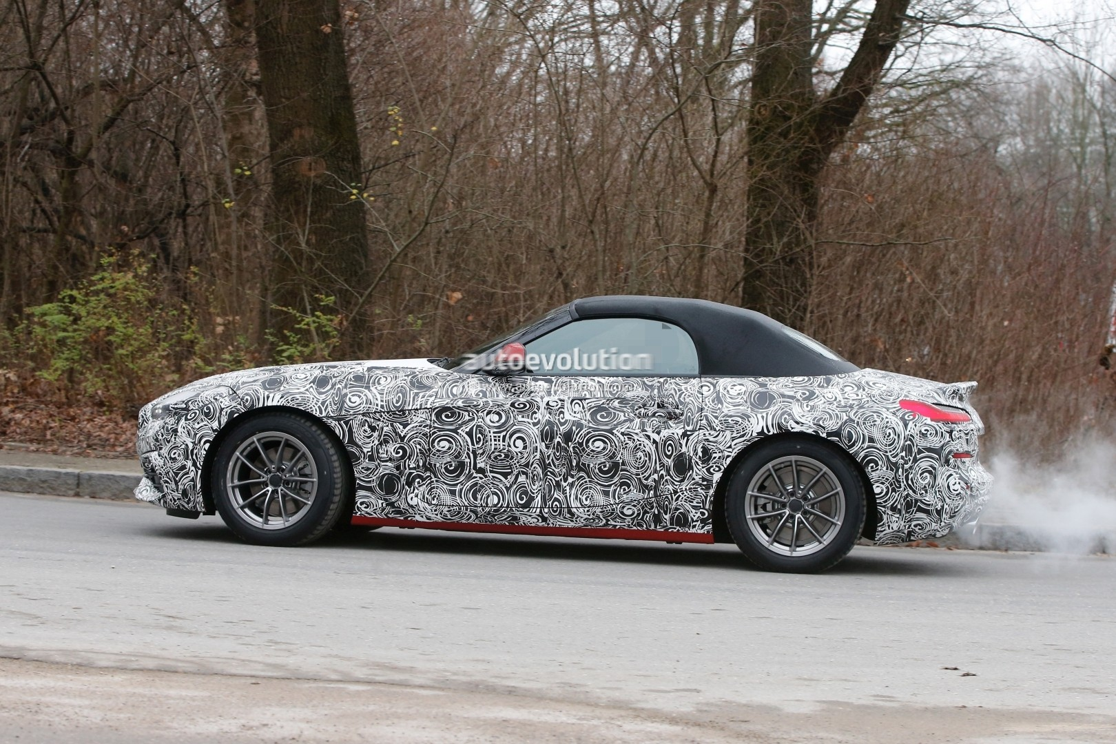 spyshots 2019 bmw z4 reveals new details plug in hybrid rumors intensify autoevolution. Black Bedroom Furniture Sets. Home Design Ideas