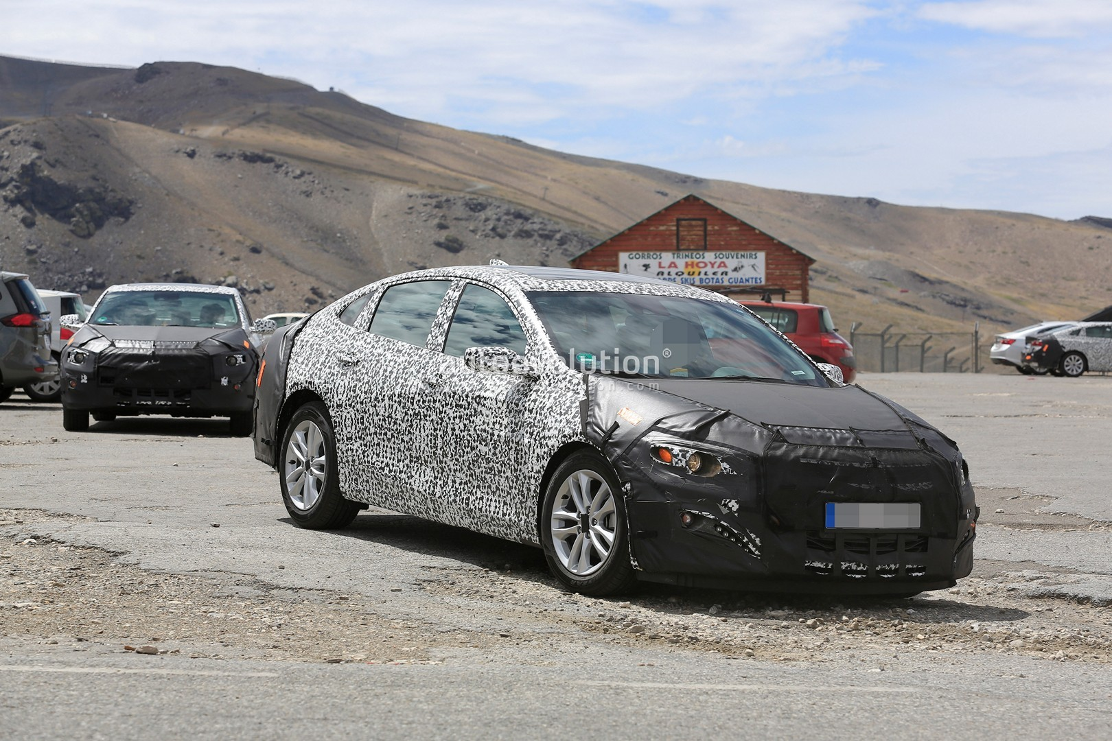 Spyshots 2019 Chevrolet Malibu Facelift Spotted In Europe