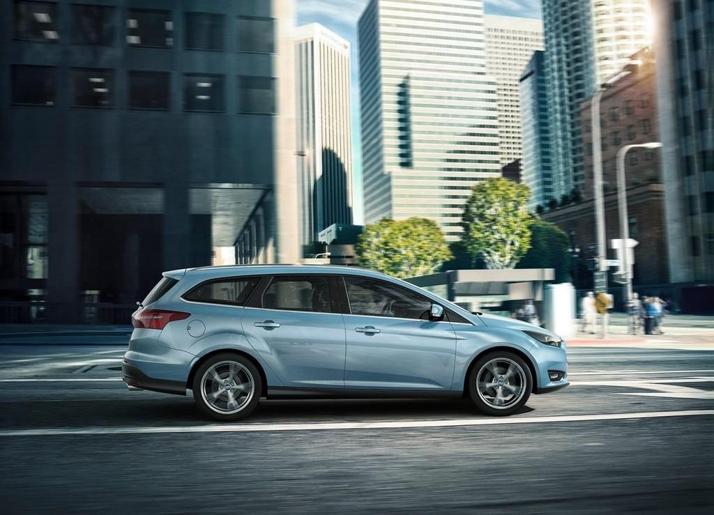 spyshots 2019 ford focus wagon prototype reveals longer rear doors autoevolution. Black Bedroom Furniture Sets. Home Design Ideas