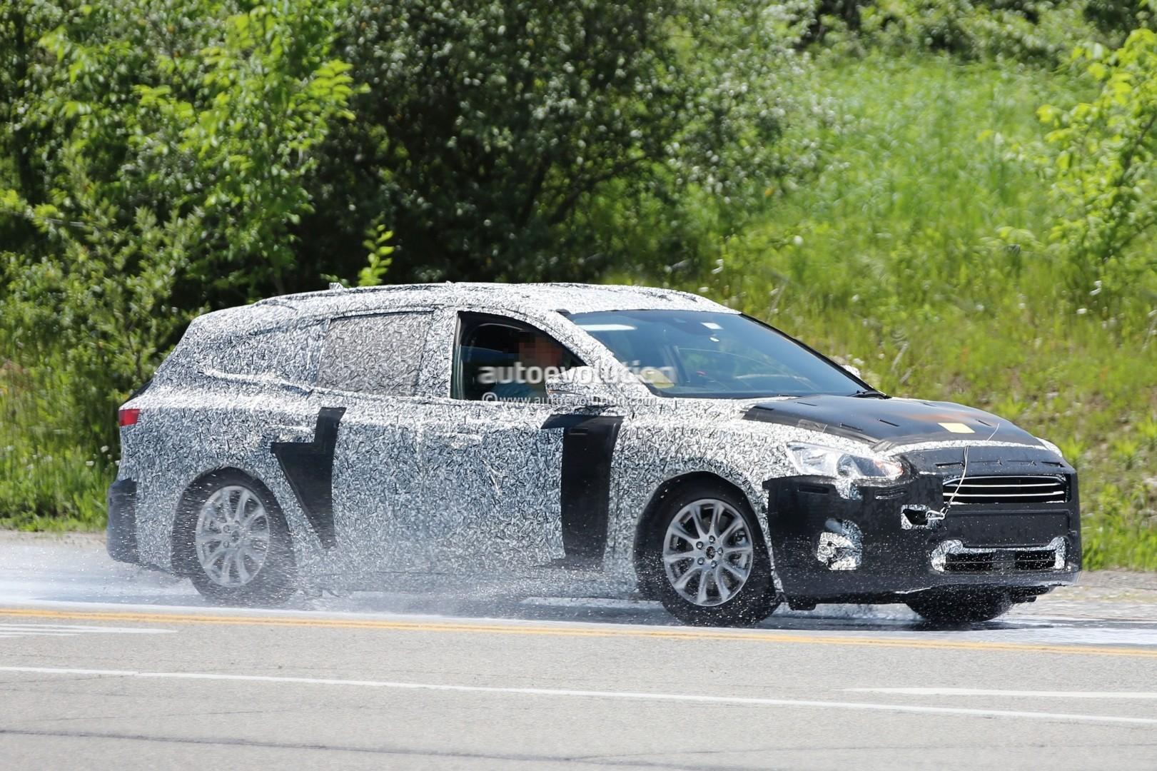 spyshots-2019-ford-focus-wagon-prototype-reveals-longer-rear-doors_3