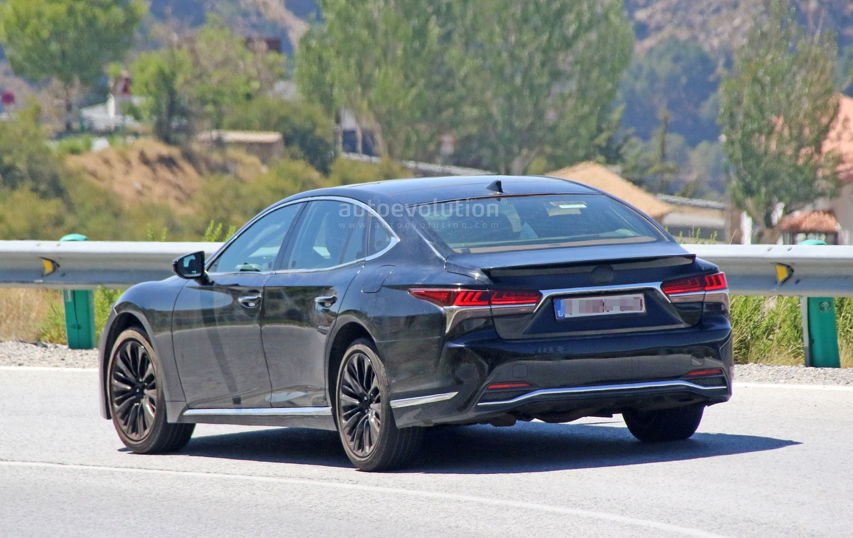 Spyshots 2019 Lexus LS F Spotted Could Pack Twin Turbo
