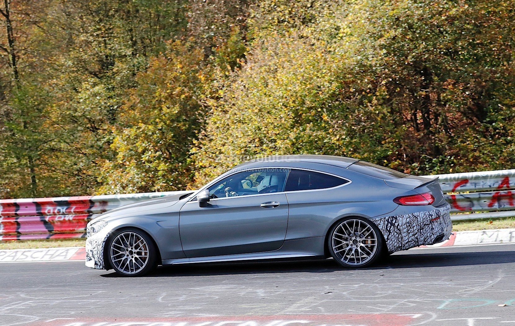 spyshots 2019 mercedes amg c63 s coupe reportedly gets extra horsepower autoevolution. Black Bedroom Furniture Sets. Home Design Ideas