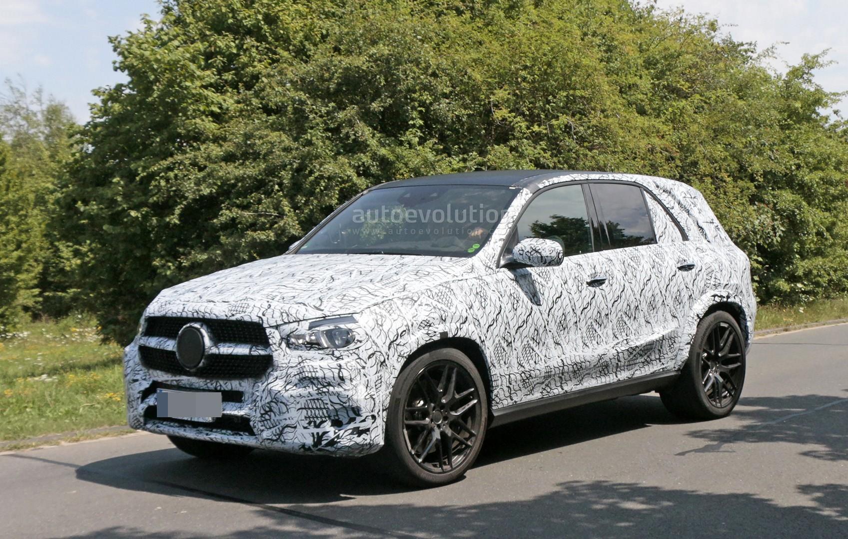 Spyshots 2019 mercedes amg gle 63 prototype has tiny for Mercedes benz gle 2019