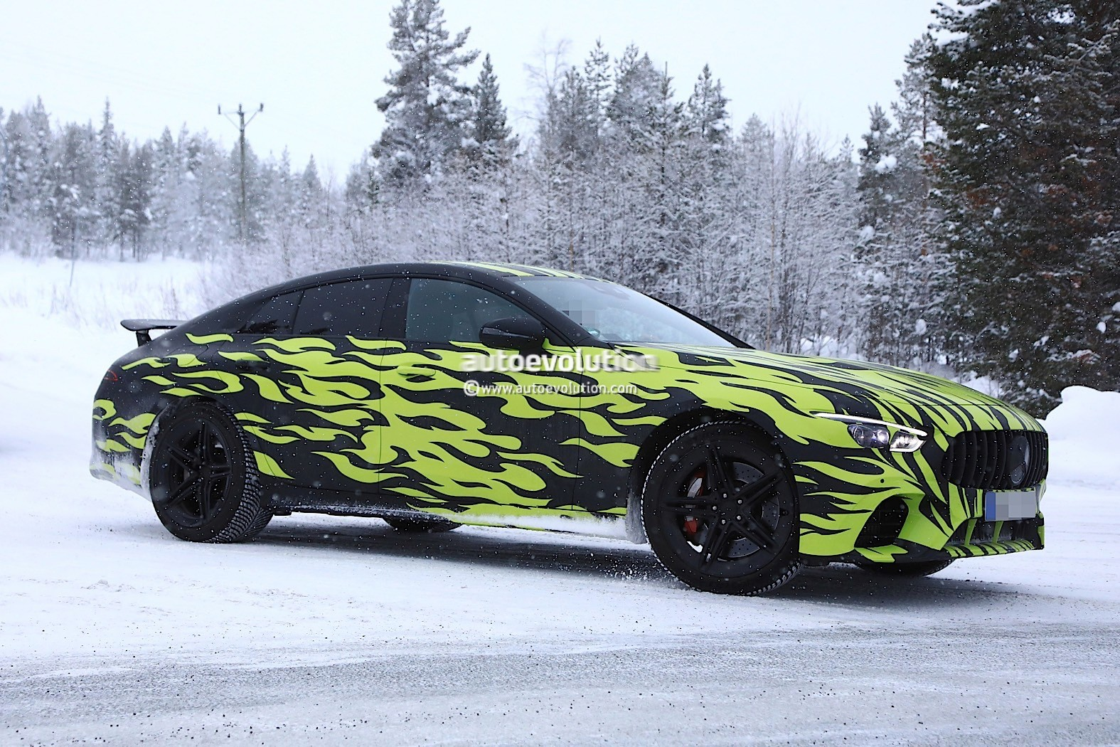 spyshots 2019 mercedes amg gt coupe four door strips to show hot rod camo autoevolution. Black Bedroom Furniture Sets. Home Design Ideas