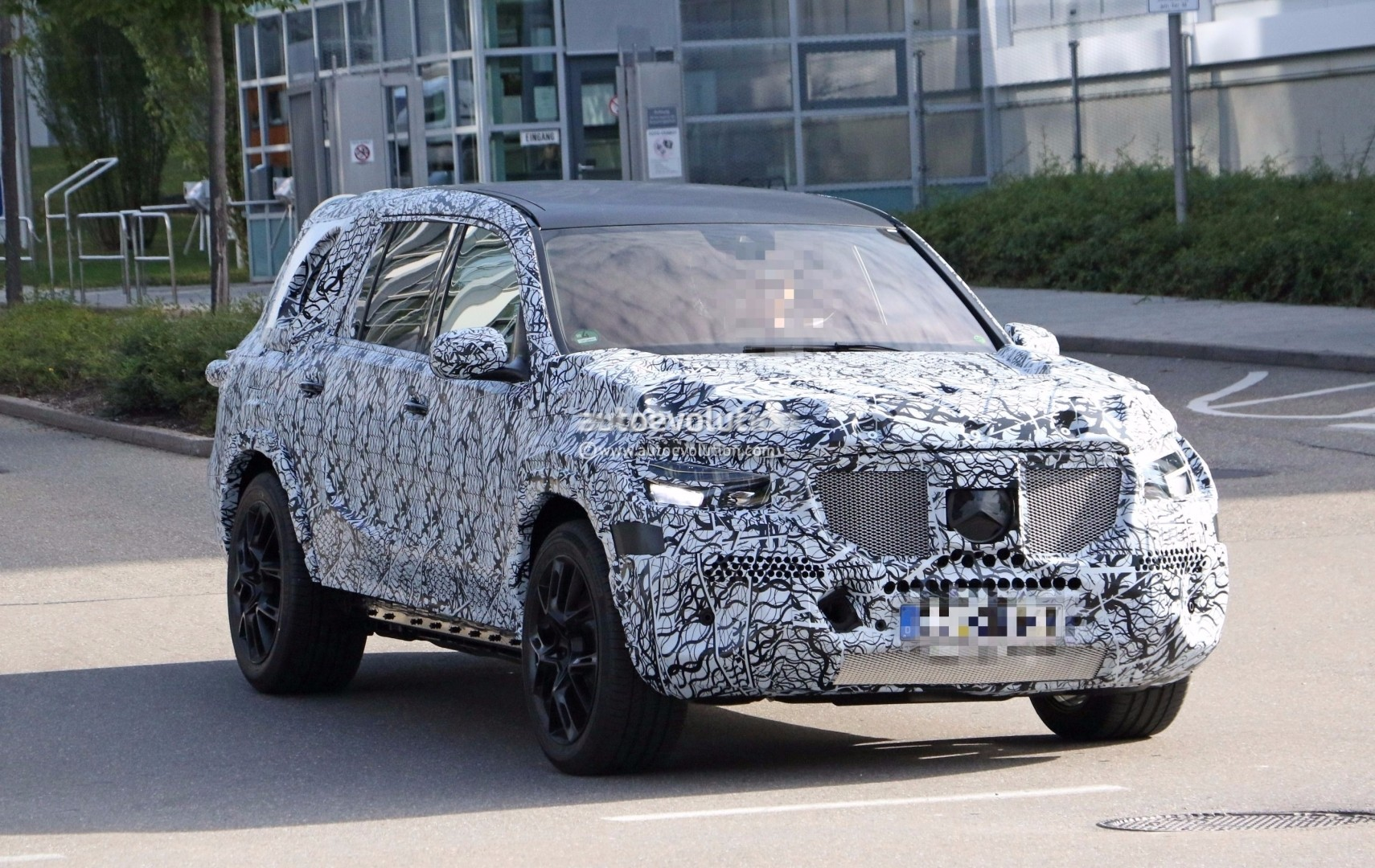 Spyshots: 2019 Mercedes-Benz GLS Has The Right Size For a ...