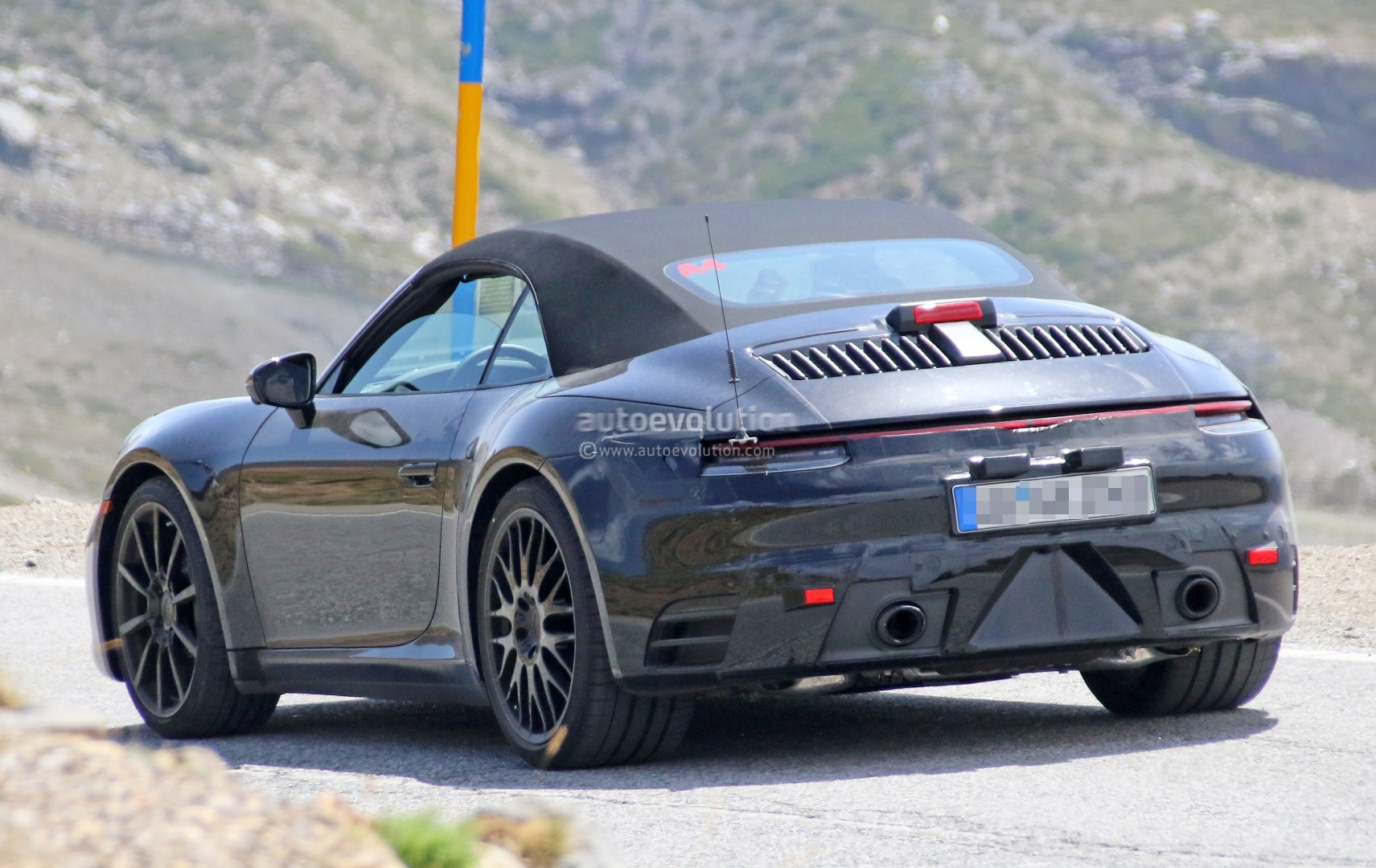 Spyshots 2019 Porsche 911 Shows Muffler Design Hints At