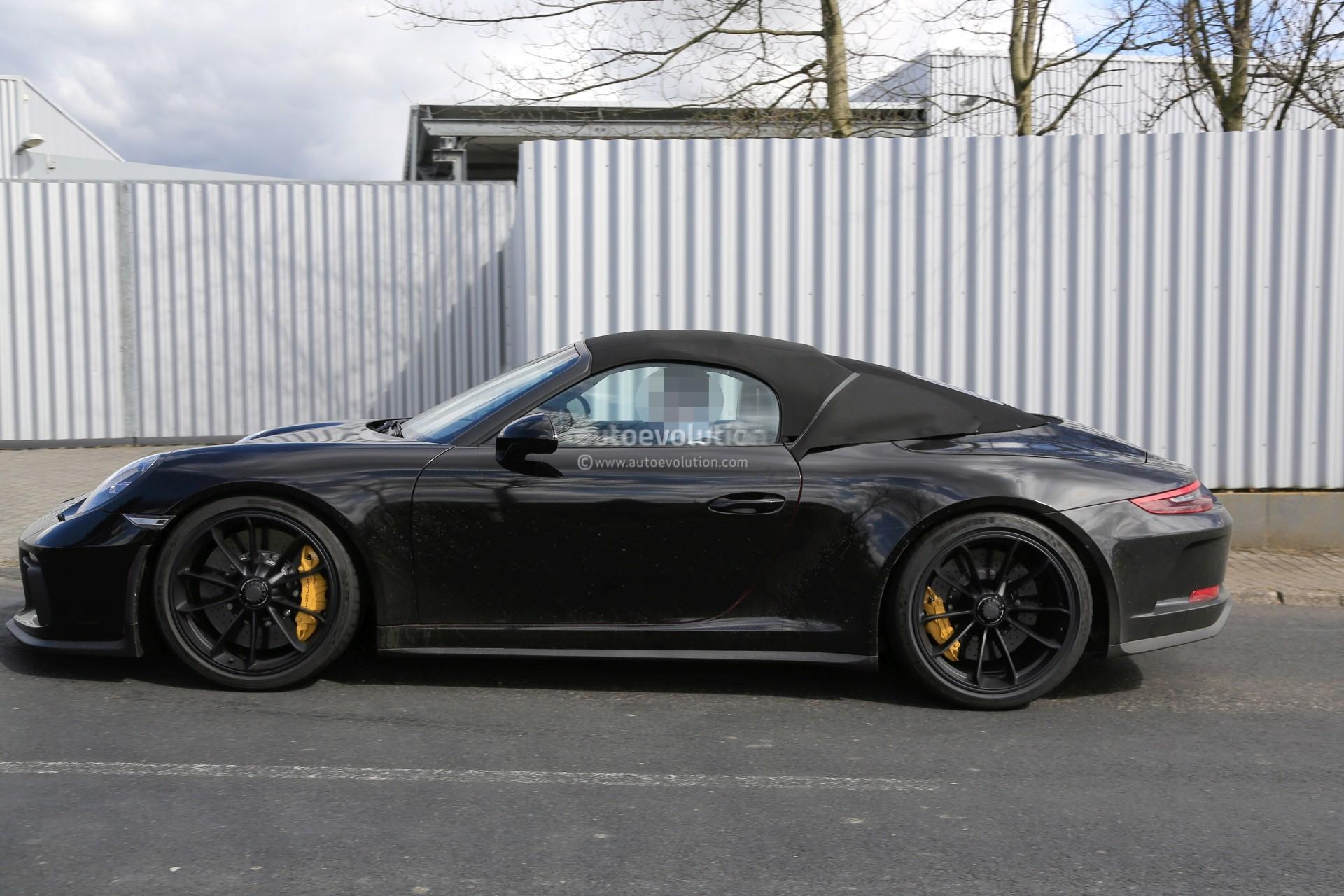 Spyshots 2019 Porsche 911 Speedster Looks Like A Gt3 Cabriolet Manual Rumored Autoevolution