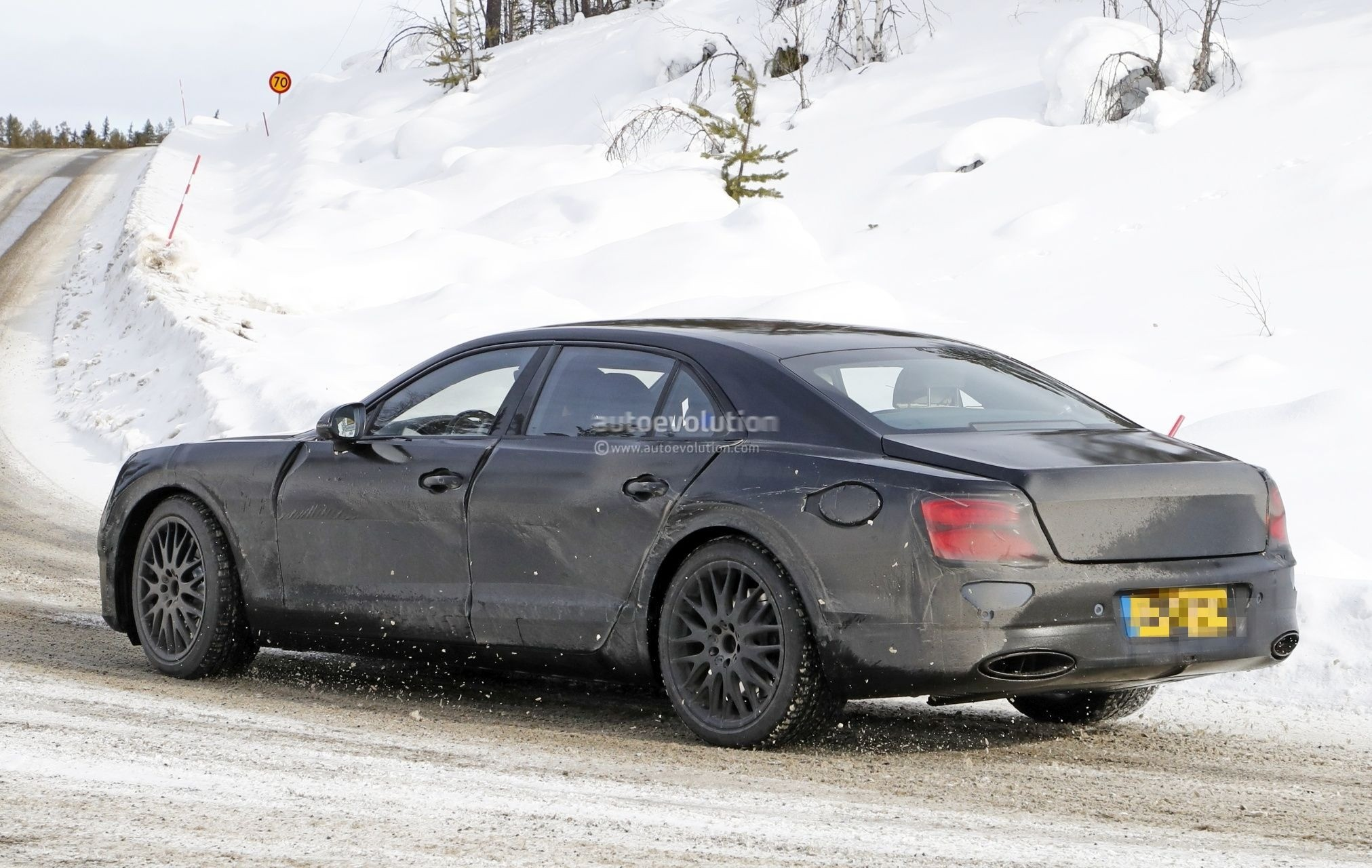 Spyshots 2020 Bentley Flying Spur Hybrid Uncovered By Charging Port