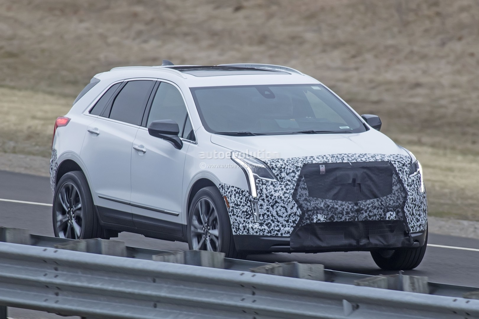 Spy Shots Cadillac Xt5 Price and Review