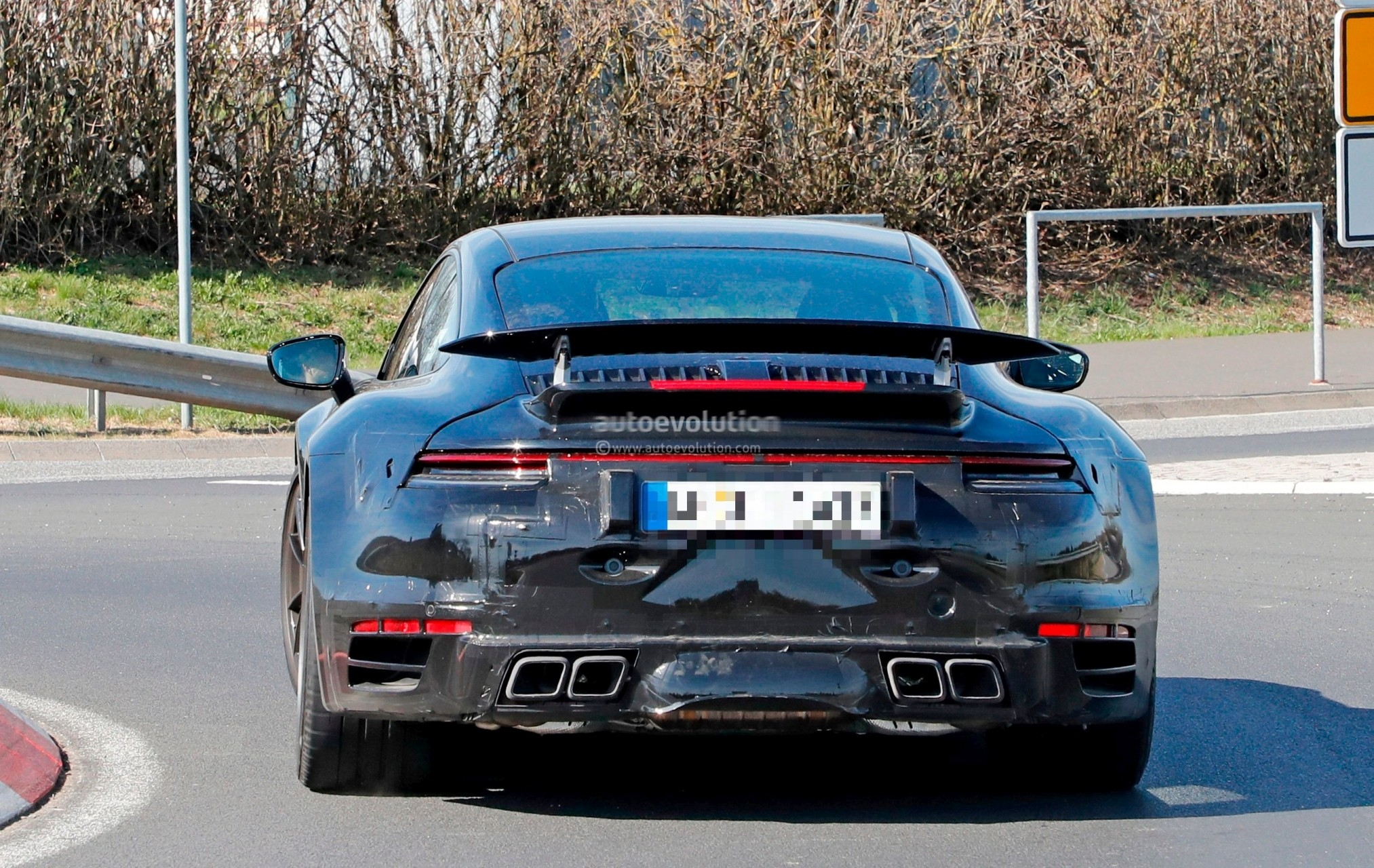 Spyshots: 2020 Porsche 911 Turbo Shows New Active Rear Wing on Nurburgring - autoevolution