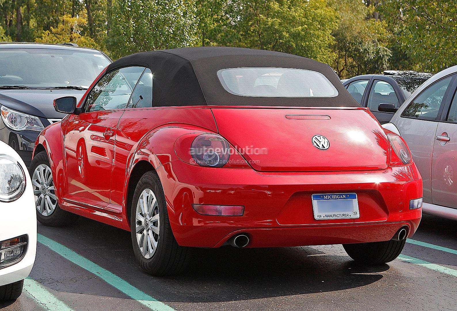 spyshots all new 2014 vw beetle cabriolet autoevolution. Black Bedroom Furniture Sets. Home Design Ideas