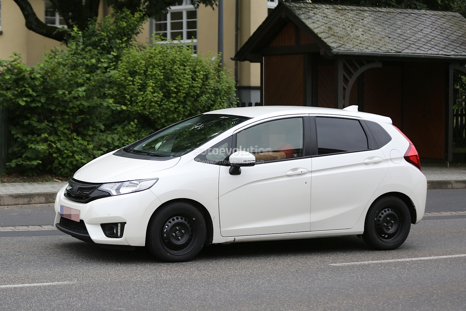 Spyshots: All-New 2015 Honda Jazz Testing in Europe for the First Time