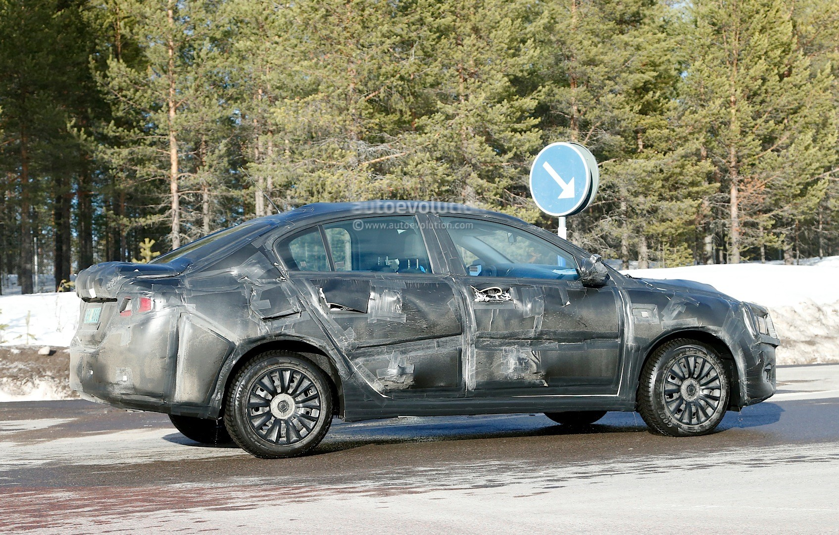Spyshots All New Fiat Linea Compact Sedan Spotted For The First Time on Fiat 500 Electric Car