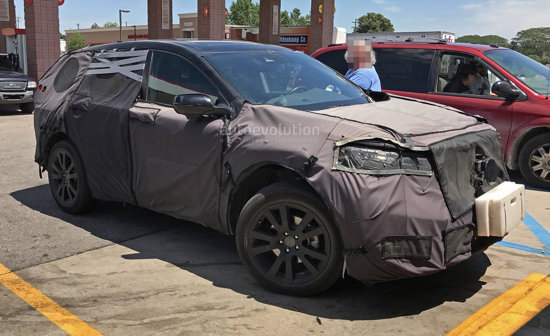 Spyshots All New 2019 Acura Rdx Is The Honda Cr V S Premium Brother