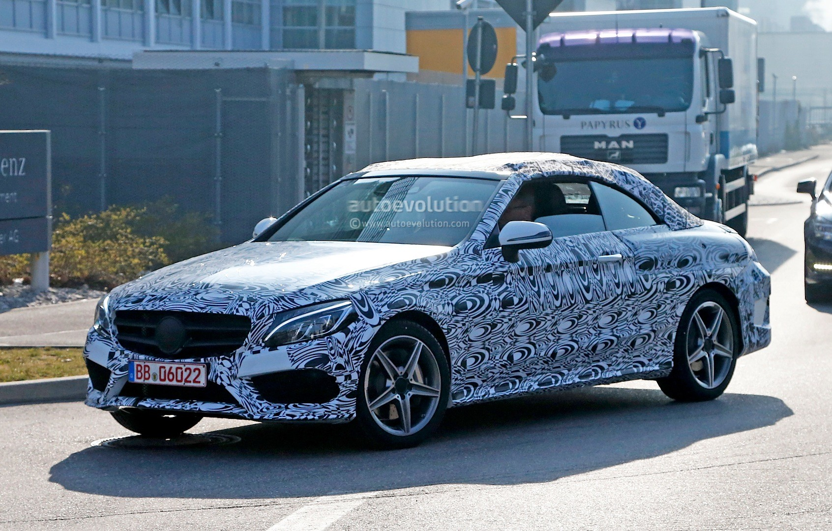 spyshots all new mercedes c class cabriolet a205 gets amg line body kit updated autoevolution. Black Bedroom Furniture Sets. Home Design Ideas