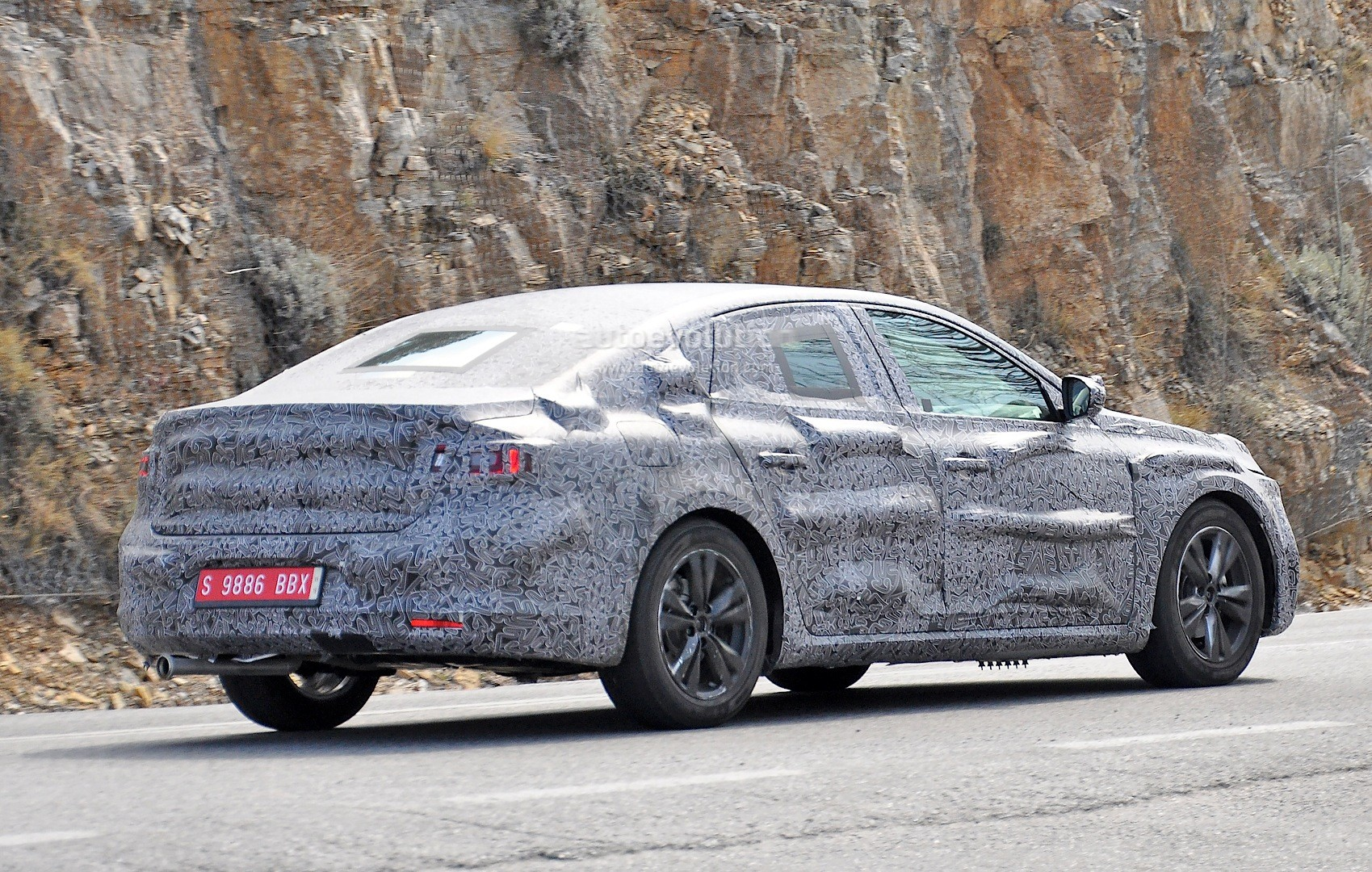 new laguna guys The all-new renault laguna sedan is going to be revealed during the summer or 2015 all-new renault laguna interior spied you guys are looking at two.