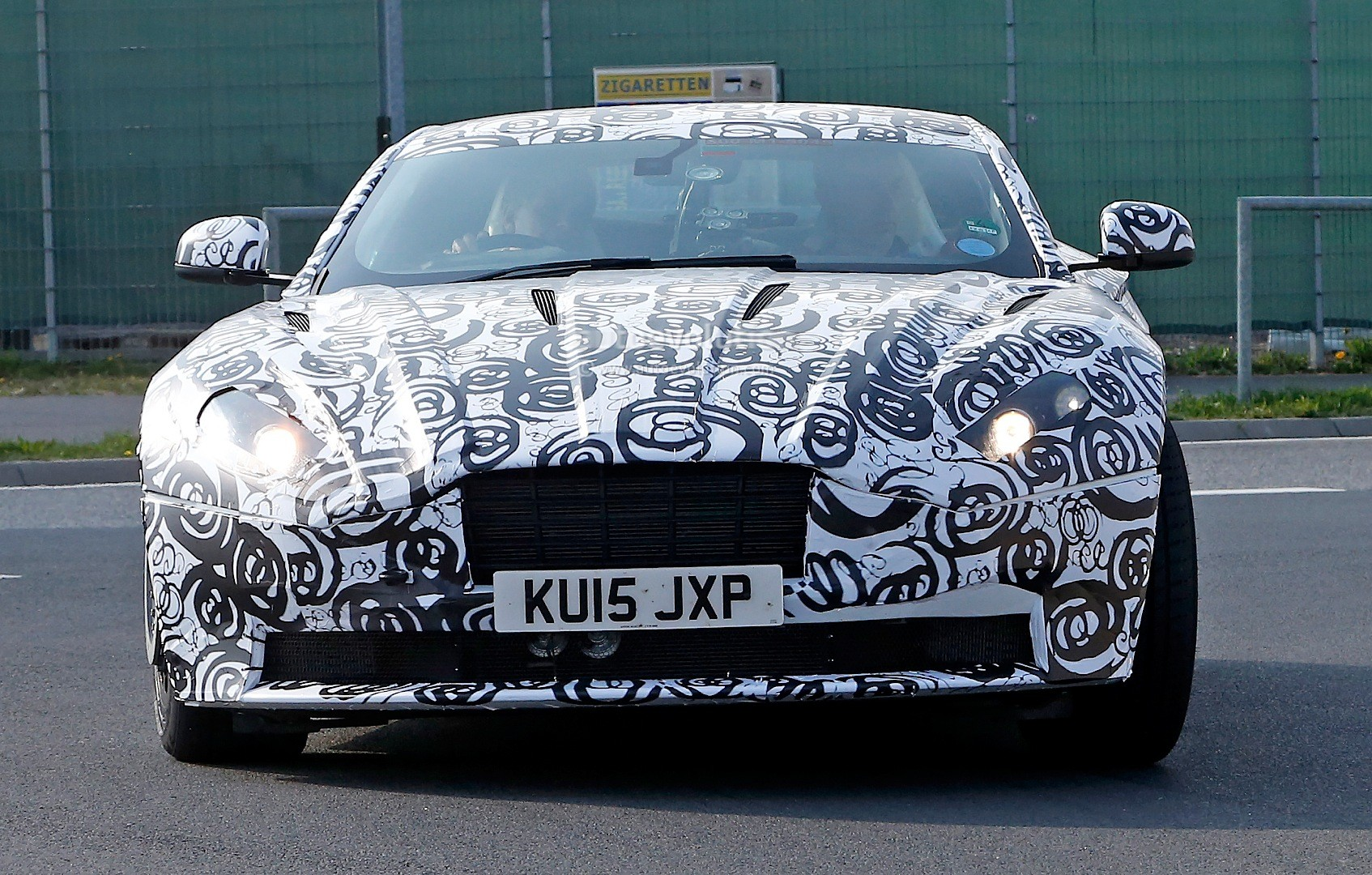 2016 - [Aston Martin] DB11 Spyshots-aston-martin-db11-prototype-seen-testing-at-the-nurburgring_10