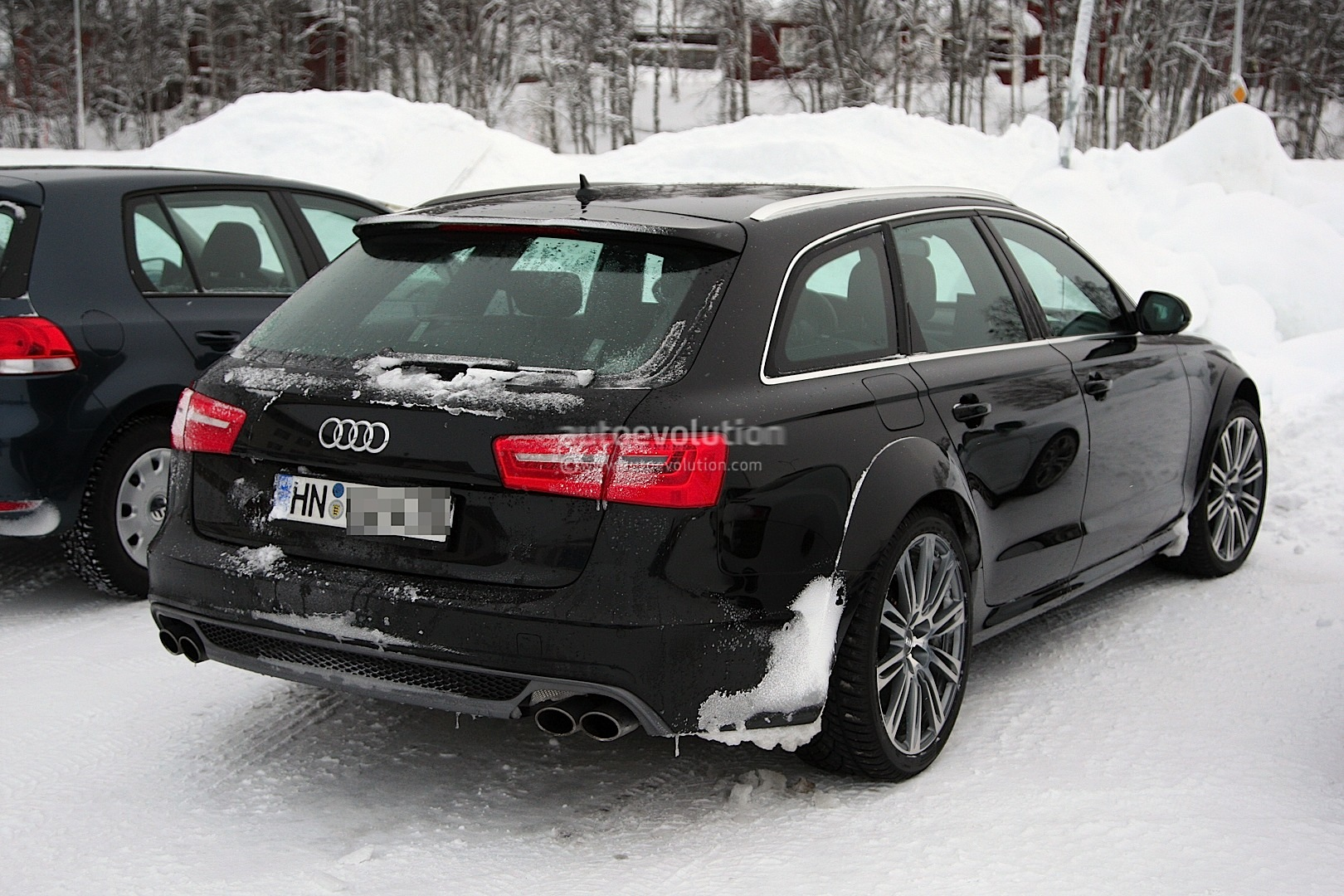 spyshots audi rs6 avant winter testing autoevolution. Black Bedroom Furniture Sets. Home Design Ideas