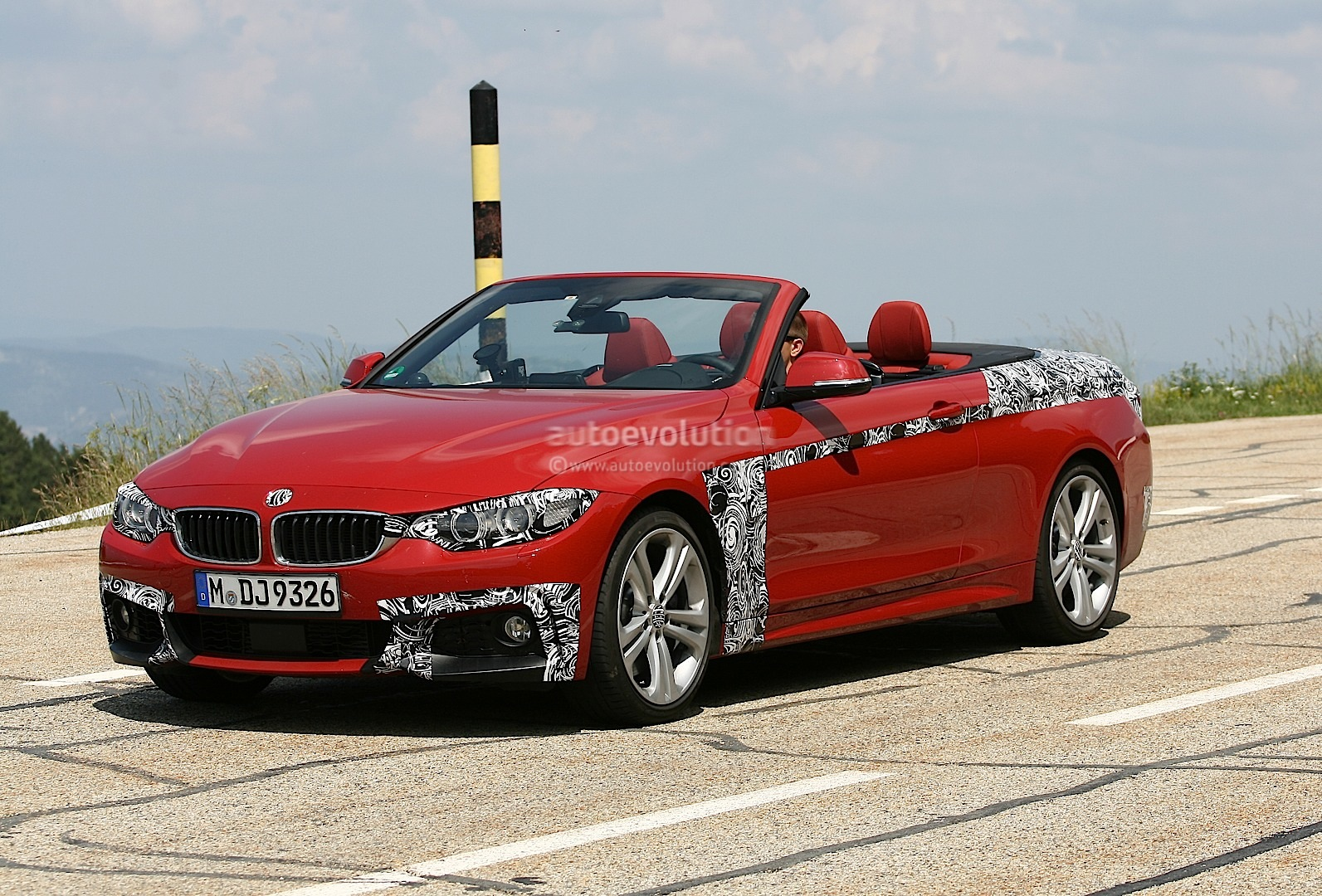 spyshots bmw f33 4 series convertible with m sport package autoevolution. Black Bedroom Furniture Sets. Home Design Ideas