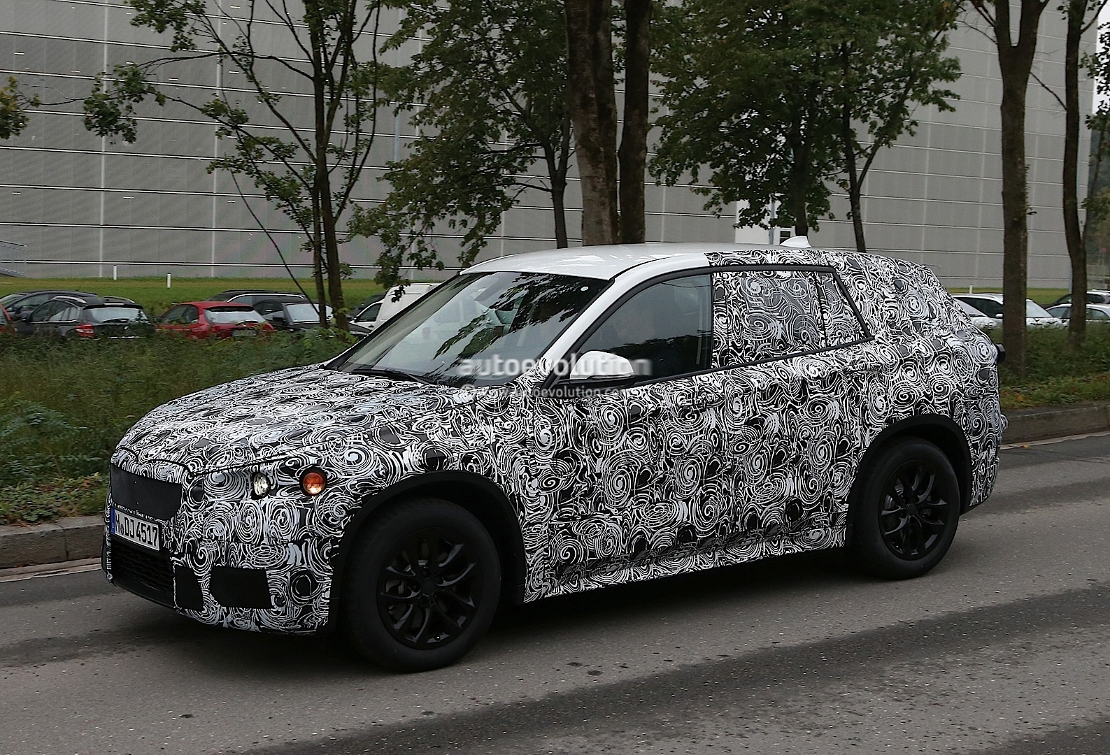 spyshots bmw f48 x1 testing in germany autoevolution. Black Bedroom Furniture Sets. Home Design Ideas