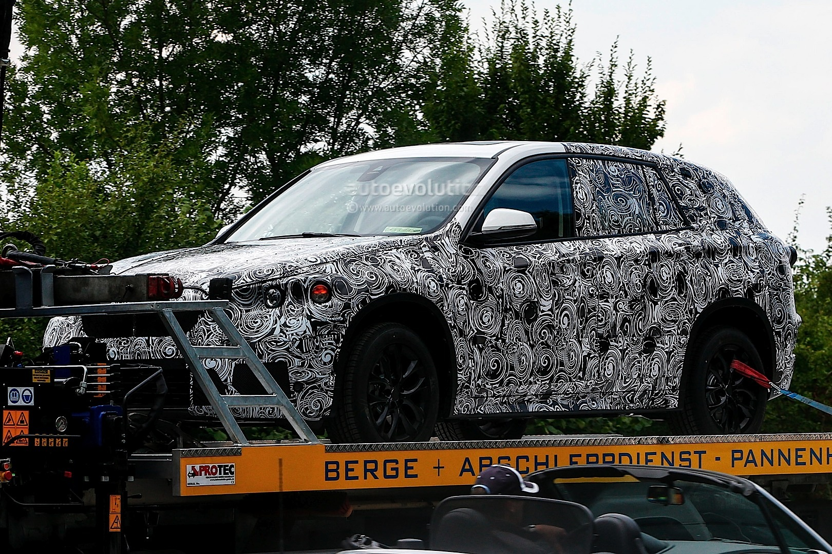 spyshots-bmw-fast-family-activity-sports-tourer_2