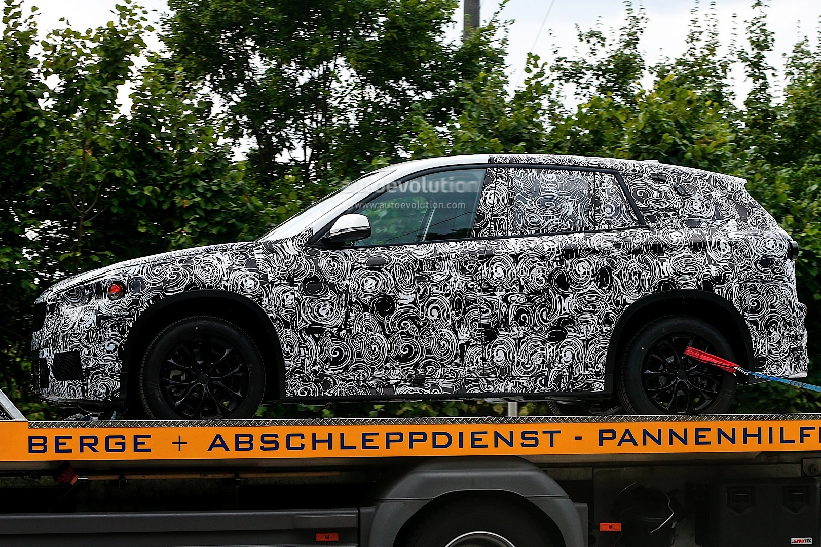 spyshots-bmw-fast-family-activity-sports-tourer_5