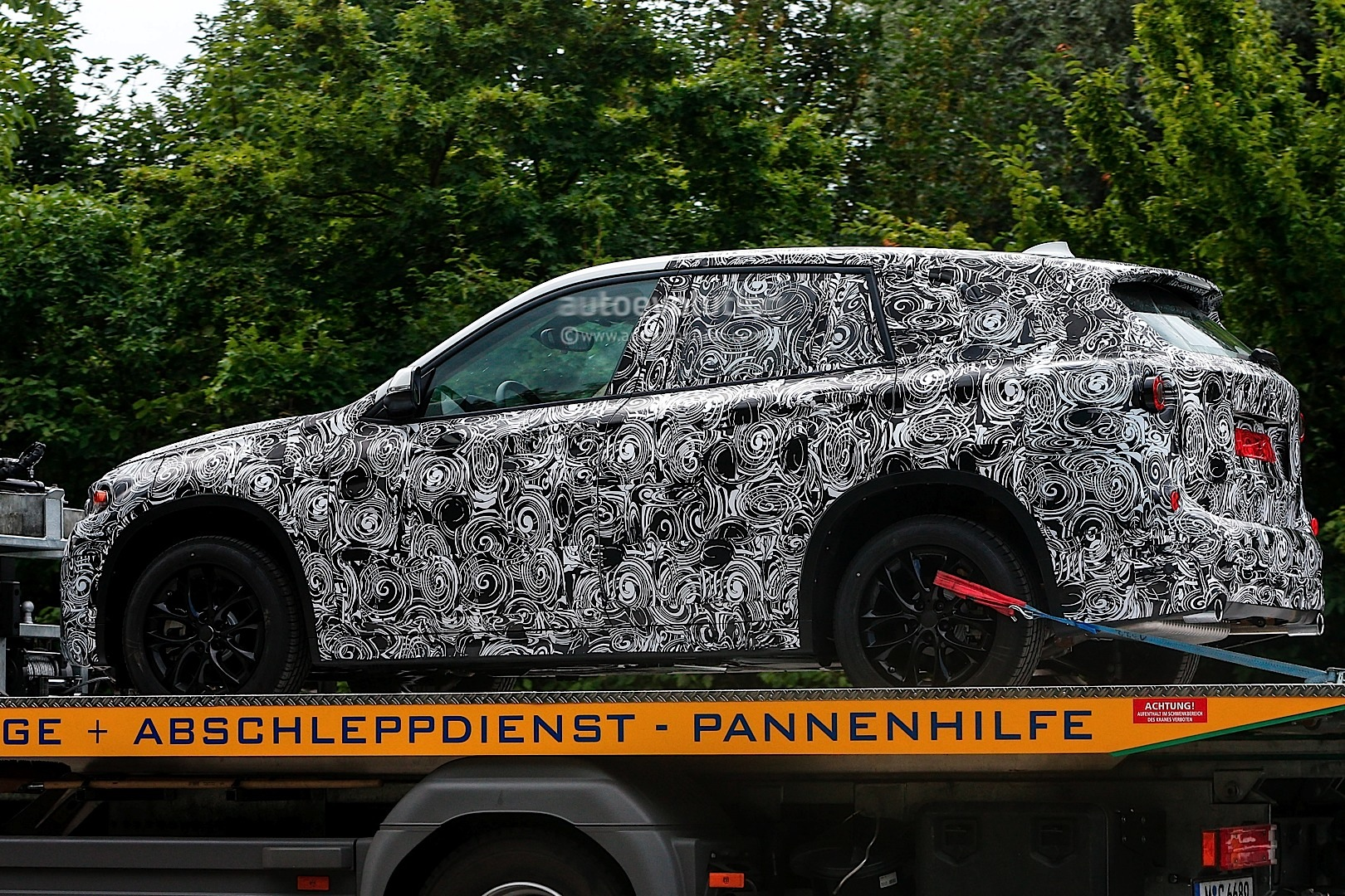 spyshots-bmw-fast-family-activity-sports-tourer_6