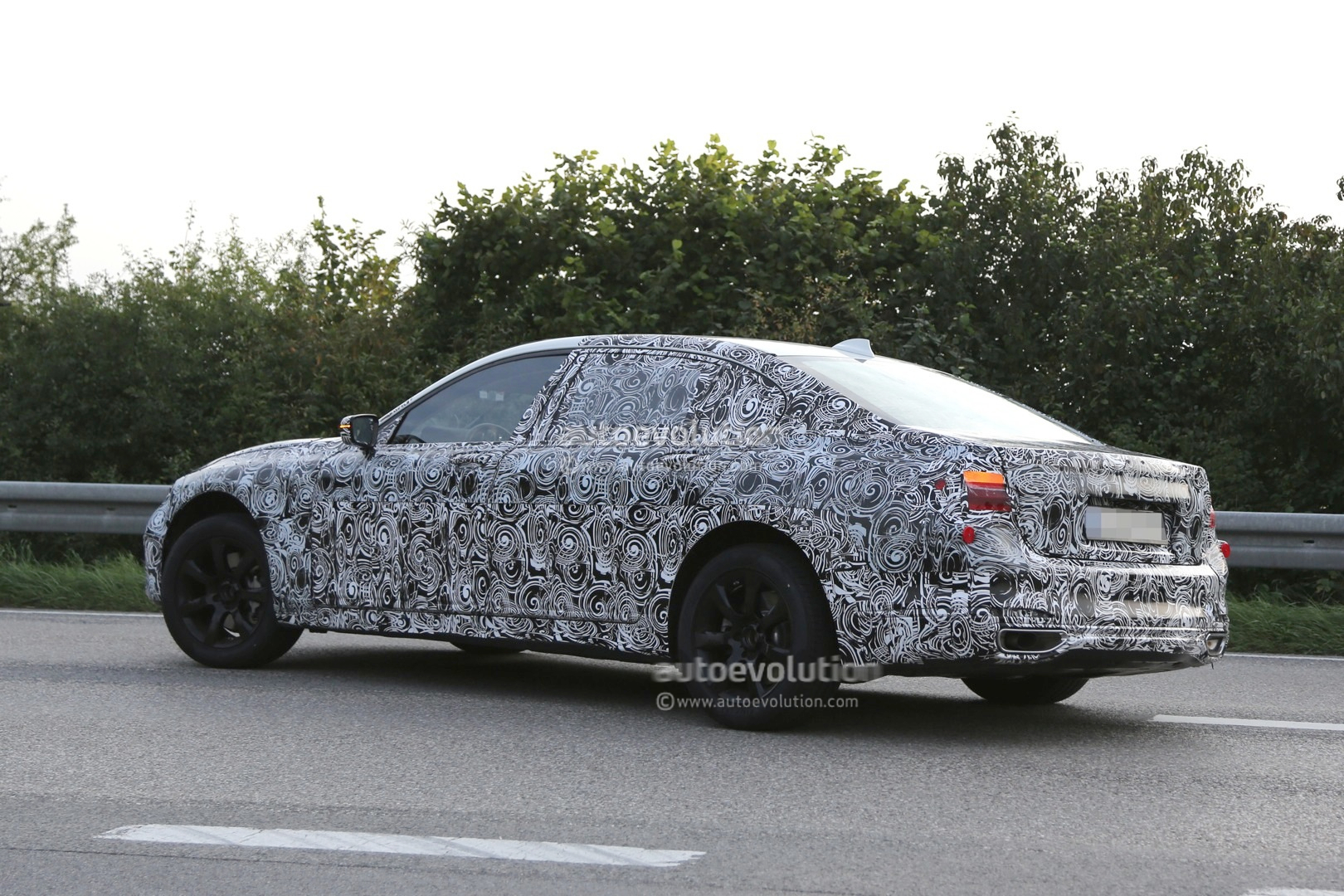 Spyshots Bmw G11 7 Series Shows Us Part