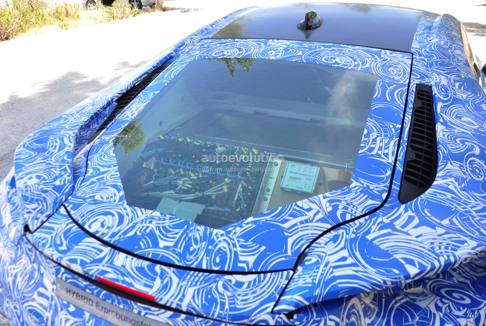spyshots-bmw-i8-interior-revealed_11.jpg