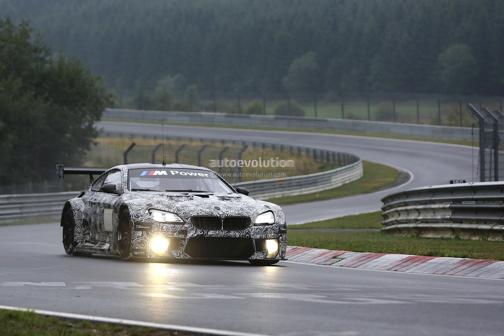 spyshots bmw m6 gt3 spotted while testing on a semi wet nurburgring track autoevolution. Black Bedroom Furniture Sets. Home Design Ideas