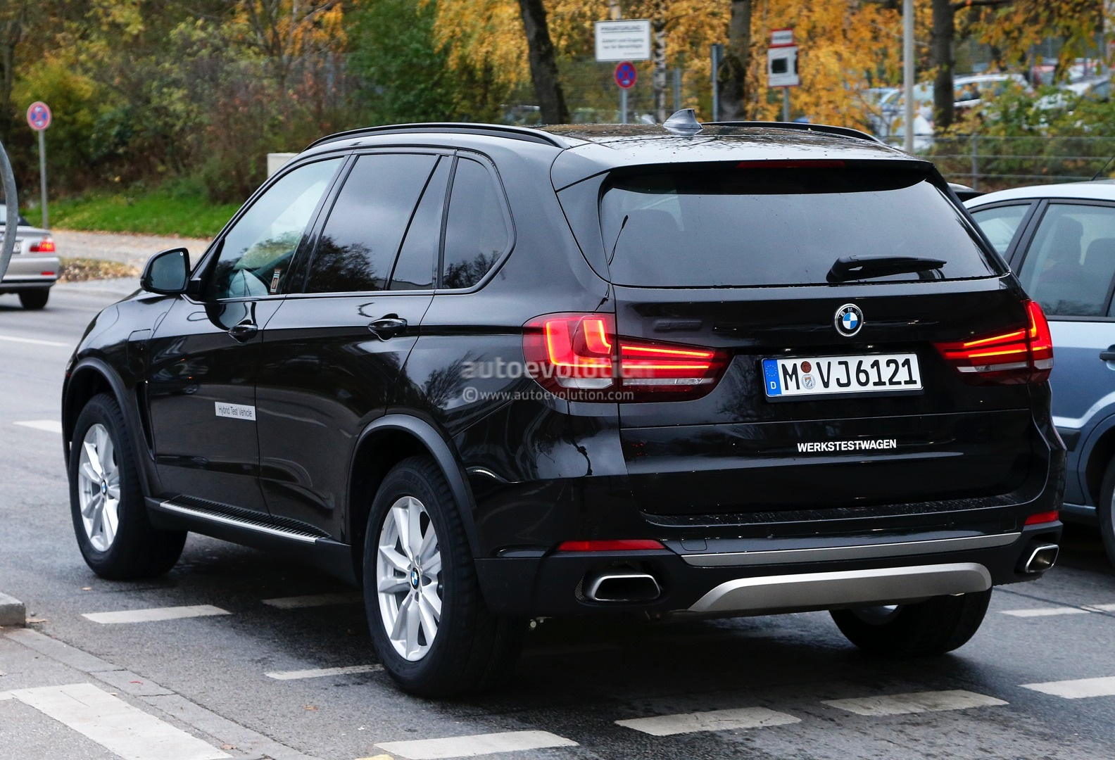 2014 BMW F15 X5 Cruise Control Buttons Guide - autoevolution