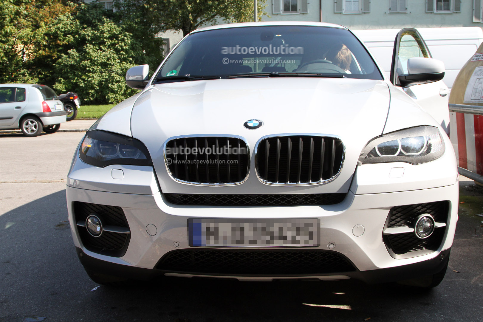 Spyshots bmw x6 facelift autoevolution for Bmw nasa garage juillet niort