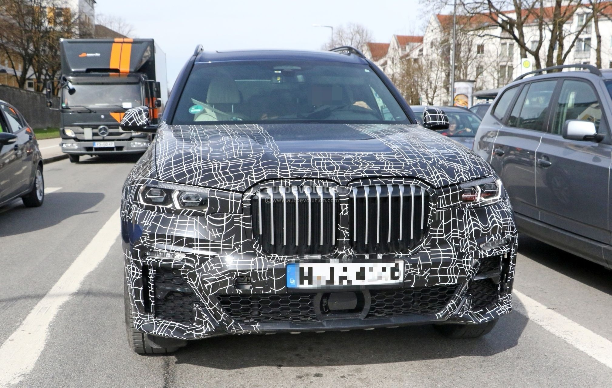 Spyshots Bmw X7 Interior Revealed By Prototype Shows New
