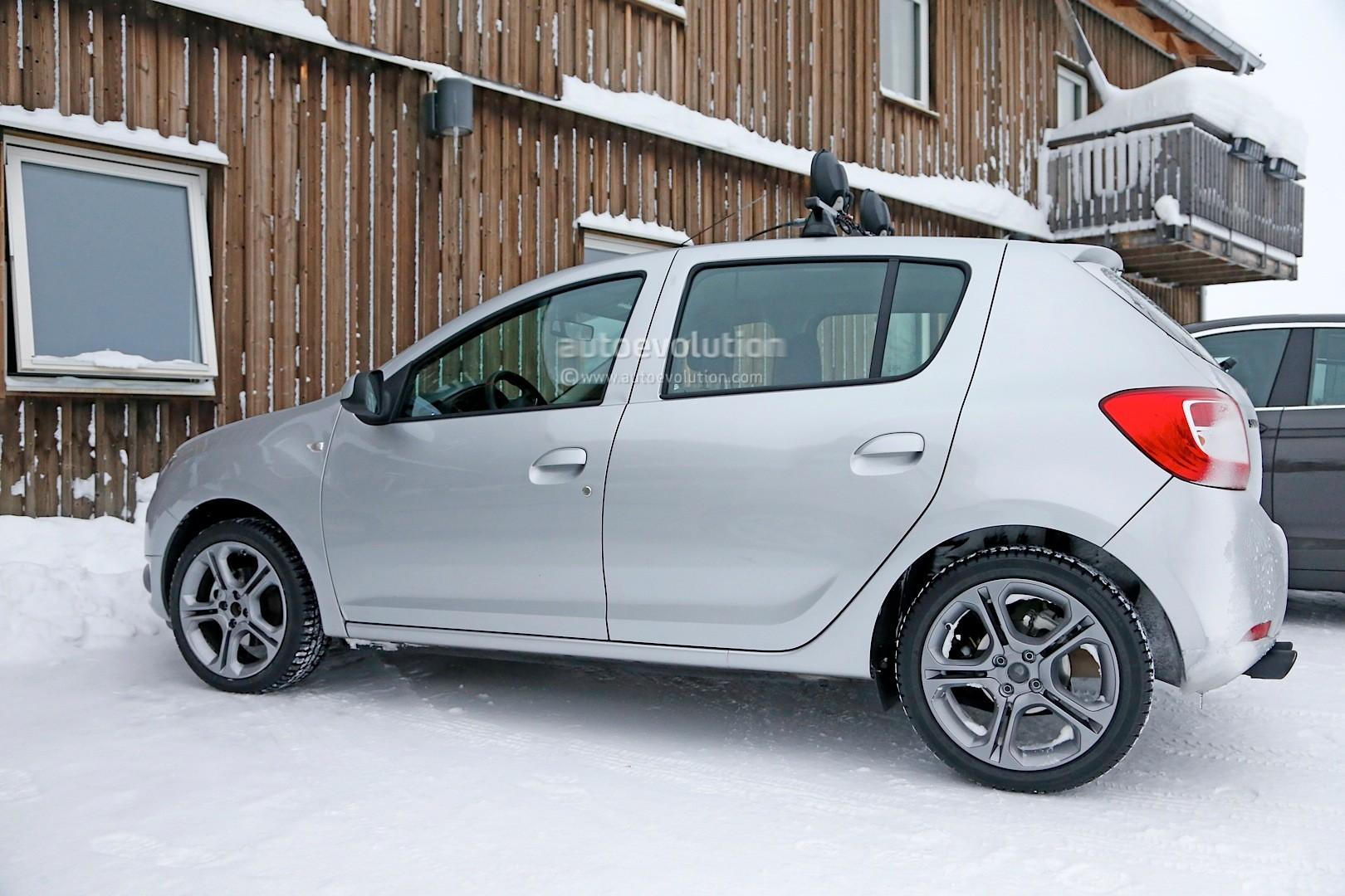2012 - [Dacia] Sandero II - Page 14 Spyshots-dacia-sandero-rs-getting-12-turbo-engine-sportier-interior_3