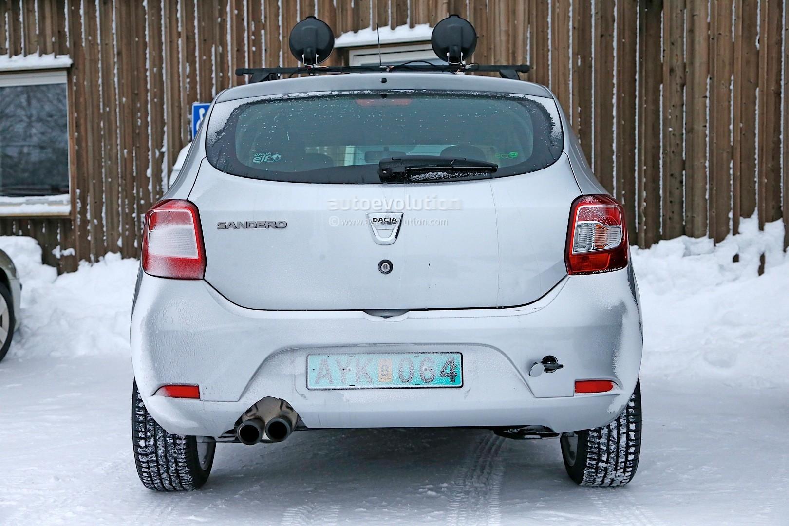 2012 - [Dacia] Sandero II - Page 14 Spyshots-dacia-sandero-rs-getting-12-turbo-engine-sportier-interior_6