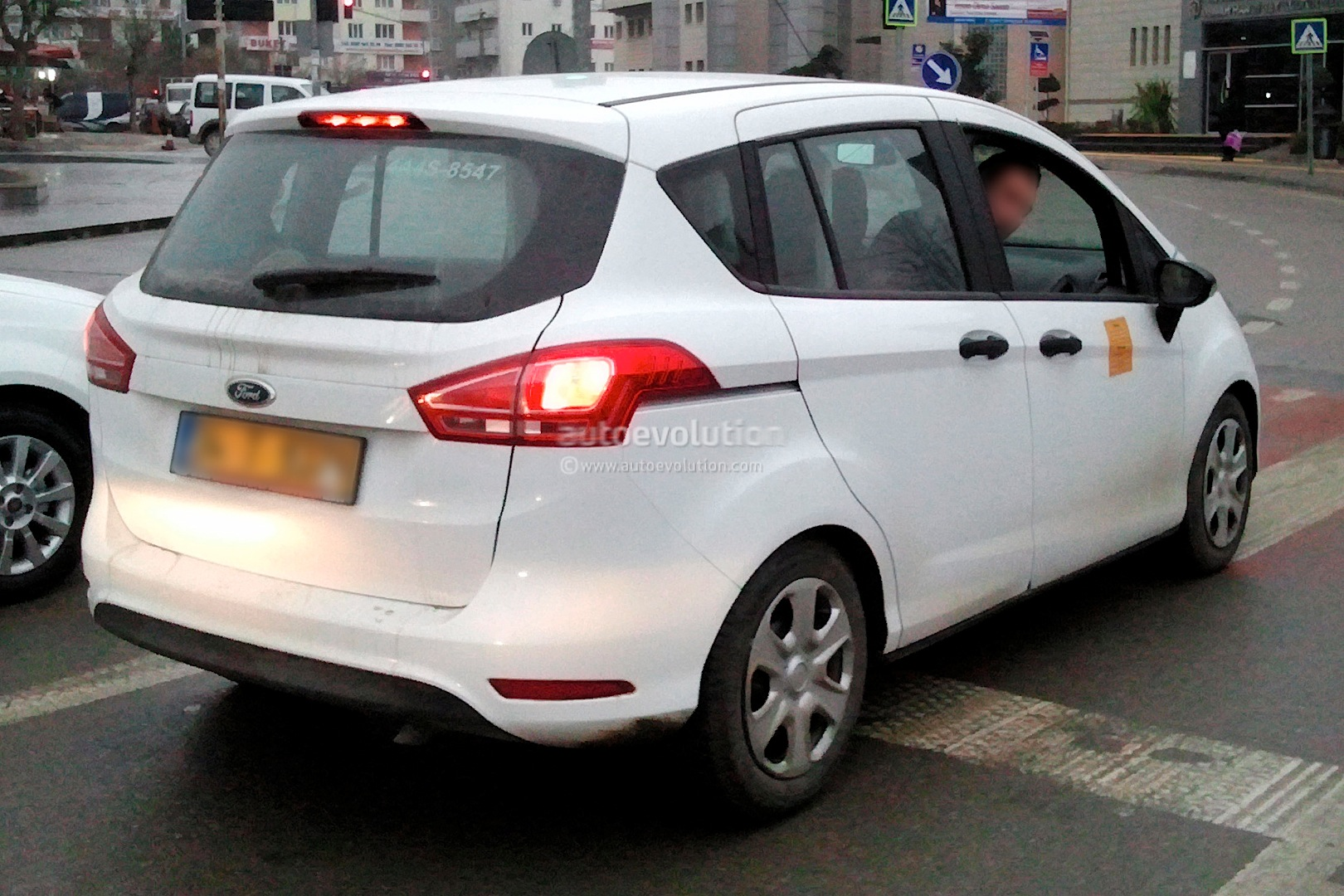 2014 - [Ford] B-Max Restylé Spyshots-ford-b-max-facelift_3