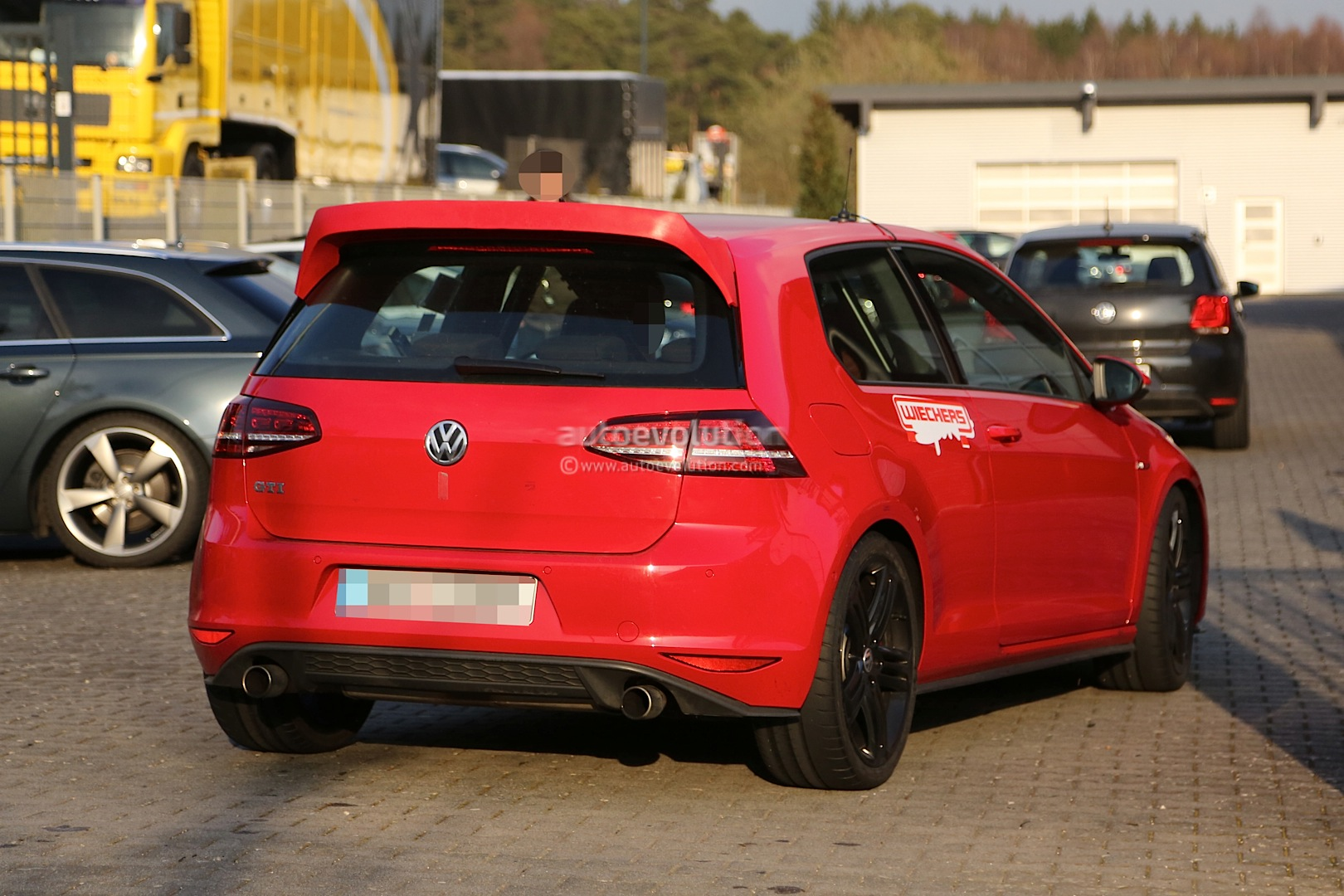 spyshots hardcore vw golf gti club sport spotted at nurburgring autoevolution. Black Bedroom Furniture Sets. Home Design Ideas